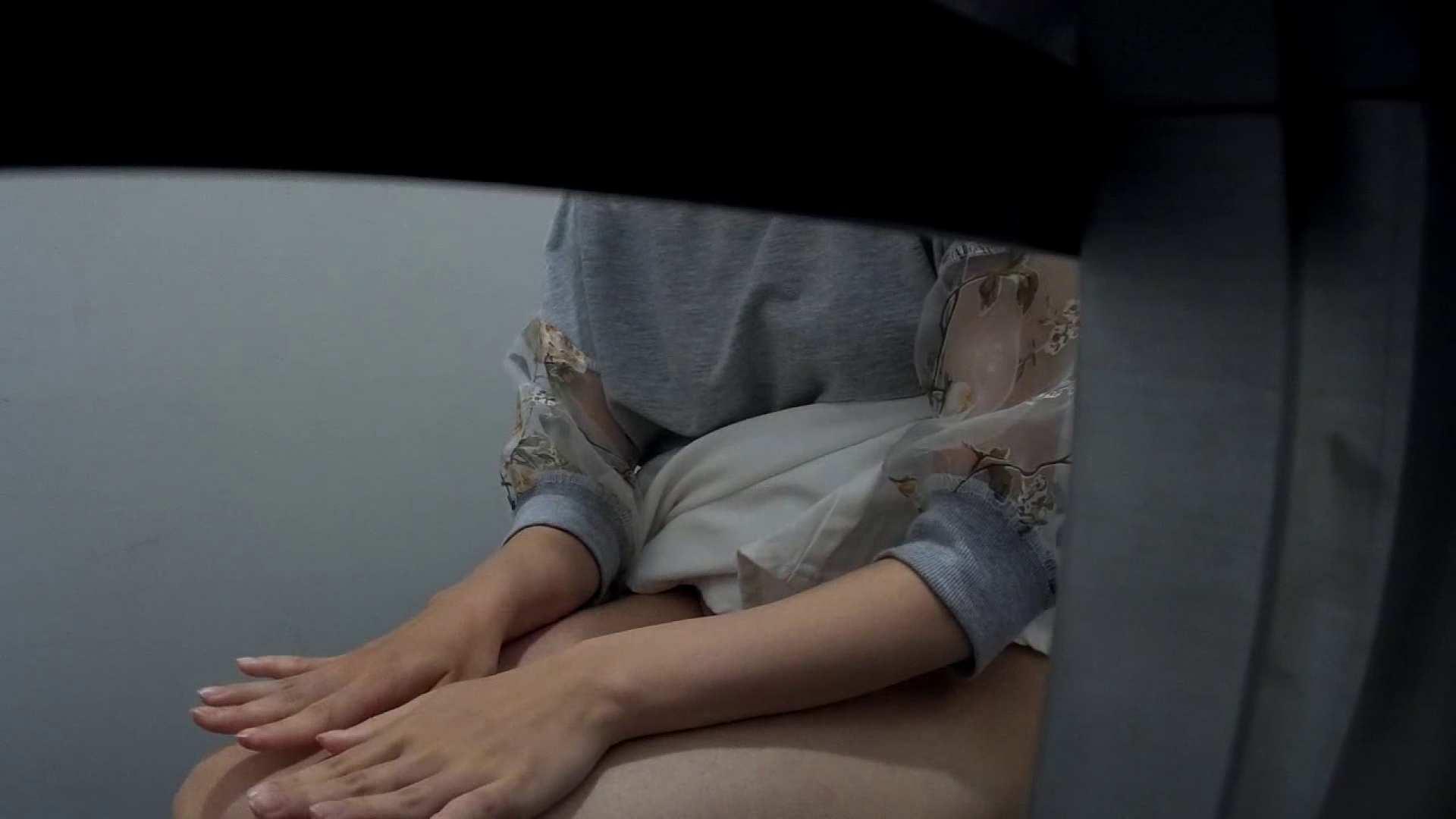 有名大学女性洗面所 vol.40 ??おまじない的な動きをする子がいます。 ギャル達 | 洗面所のぞき  99枚 1