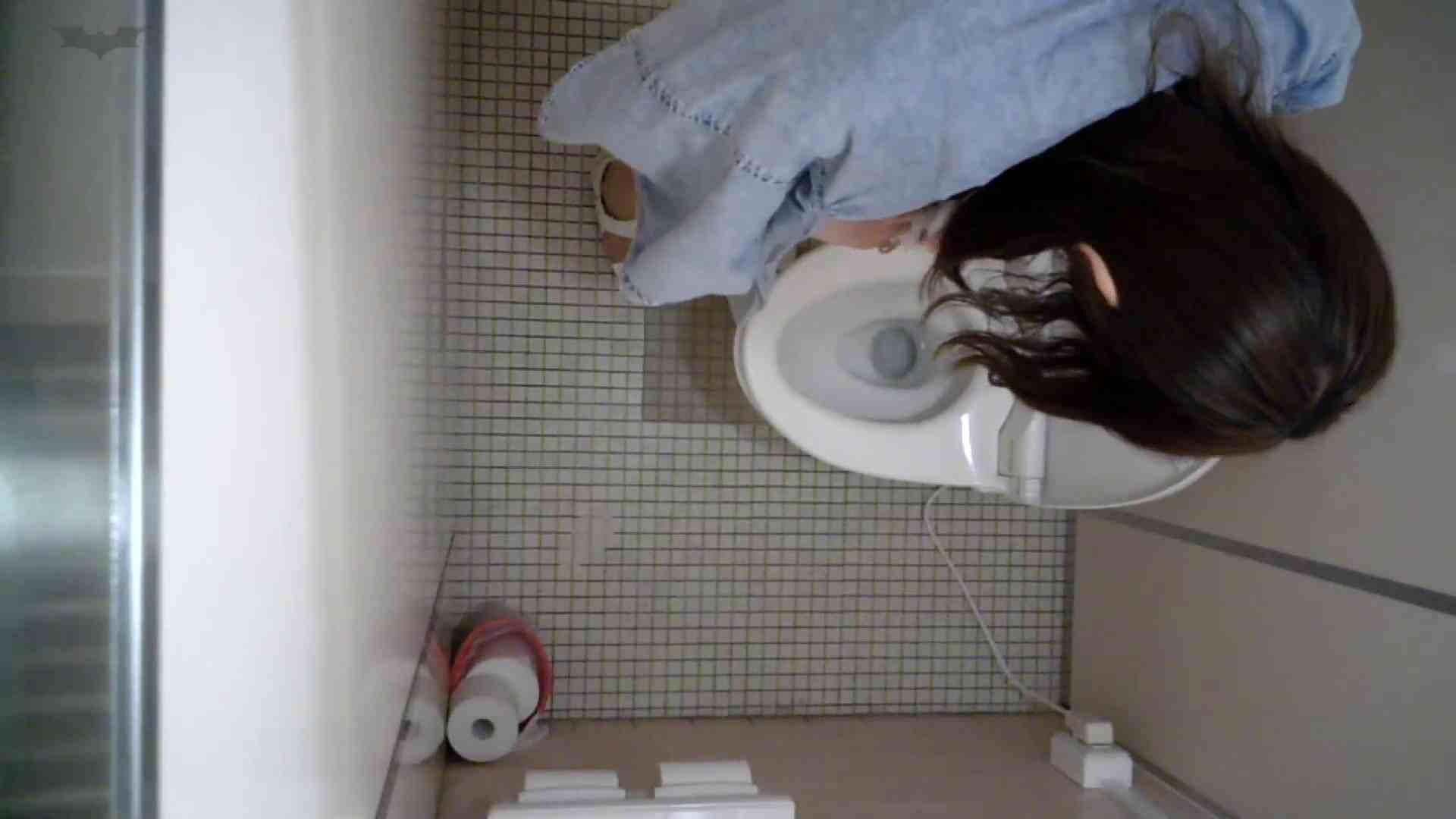 有名大学女性洗面所 vol.50 個室には3つの「目」があるみたいです。 ギャル達  109枚 104