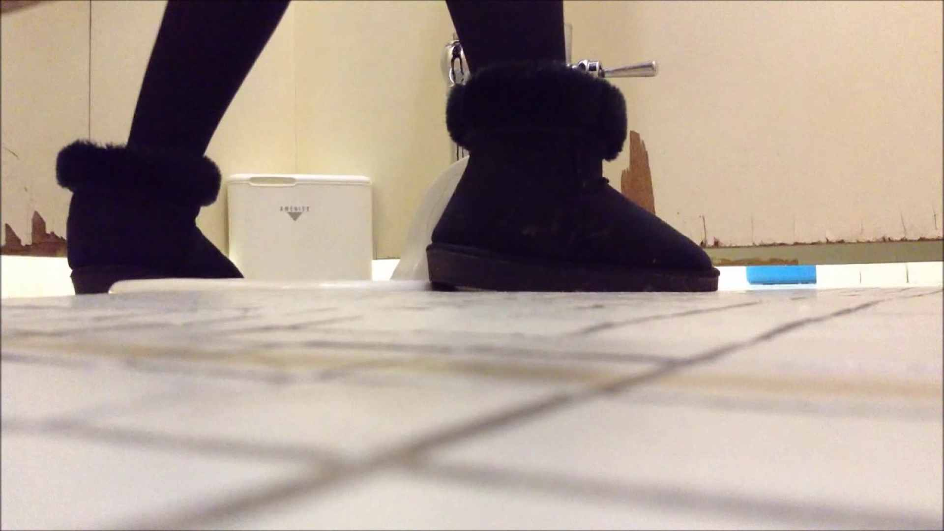 某有名大学女性洗面所 vol.01 和式便所 オマンコ動画キャプチャ 107枚 17