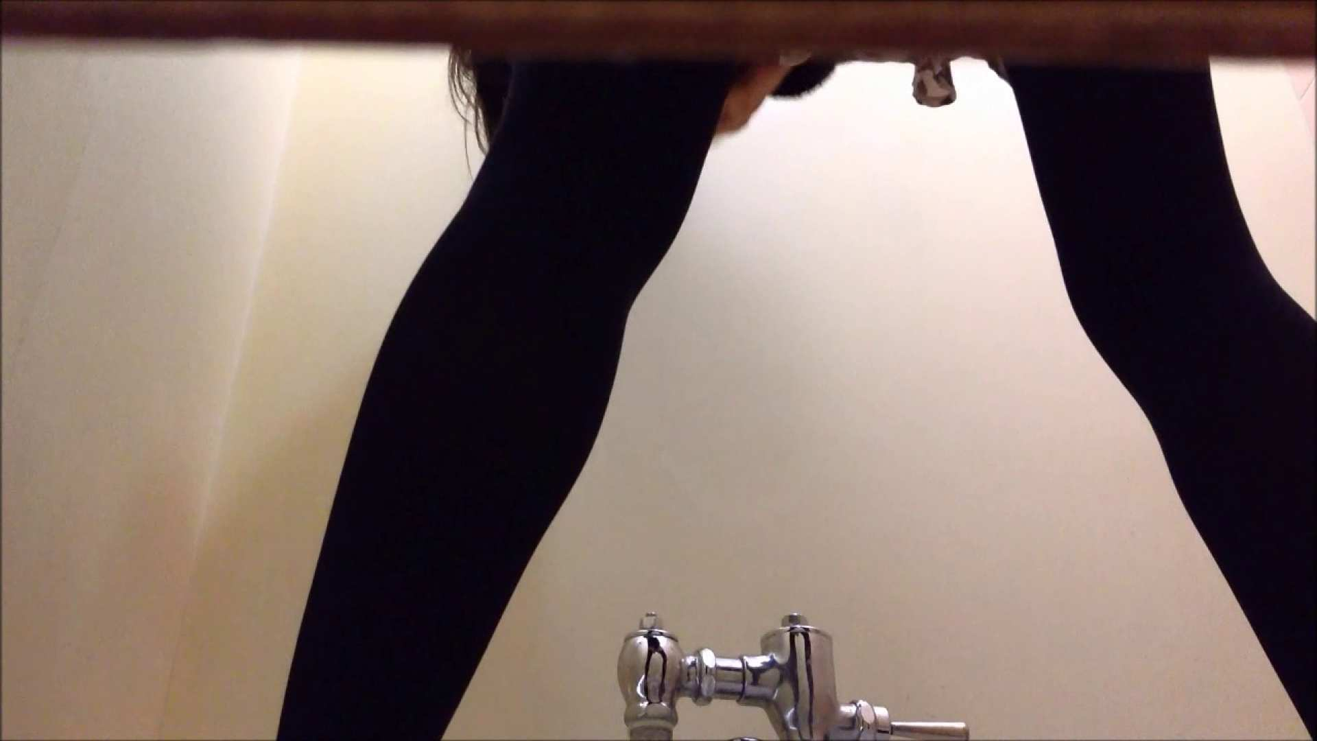 某有名大学女性洗面所 vol.06 投稿 性交動画流出 111枚 61
