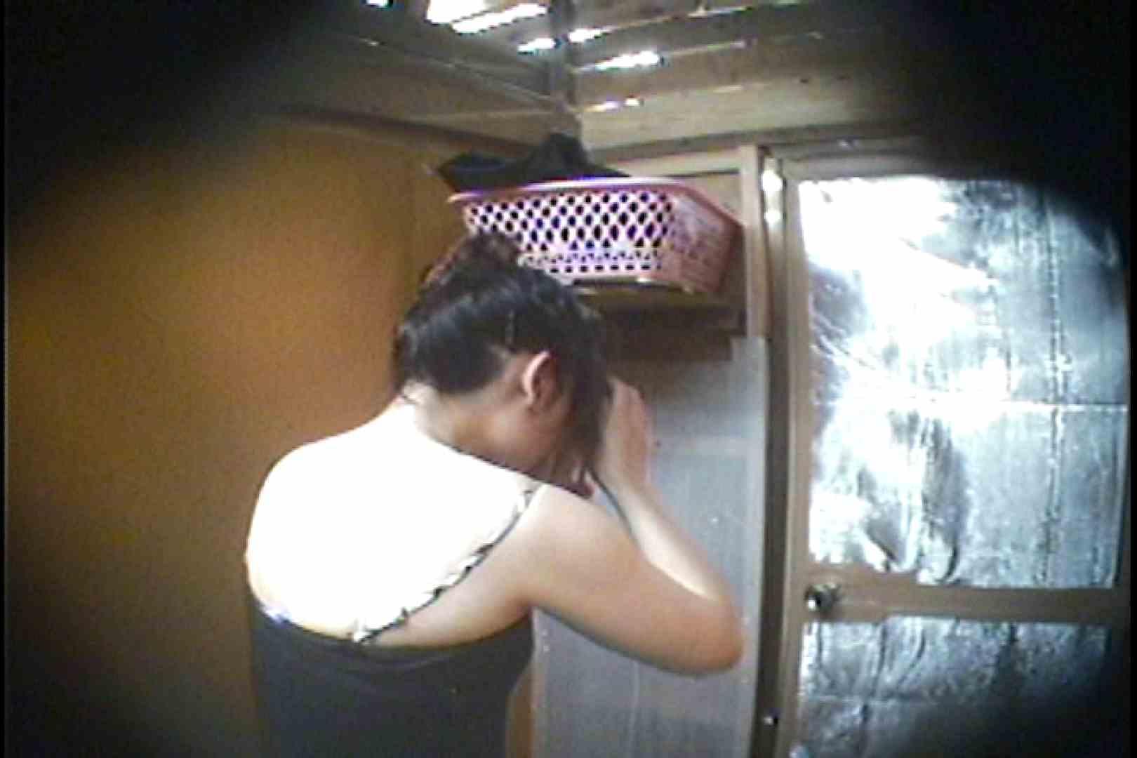 海の家の更衣室 Vol.37 シャワー オマンコ動画キャプチャ 107枚 82