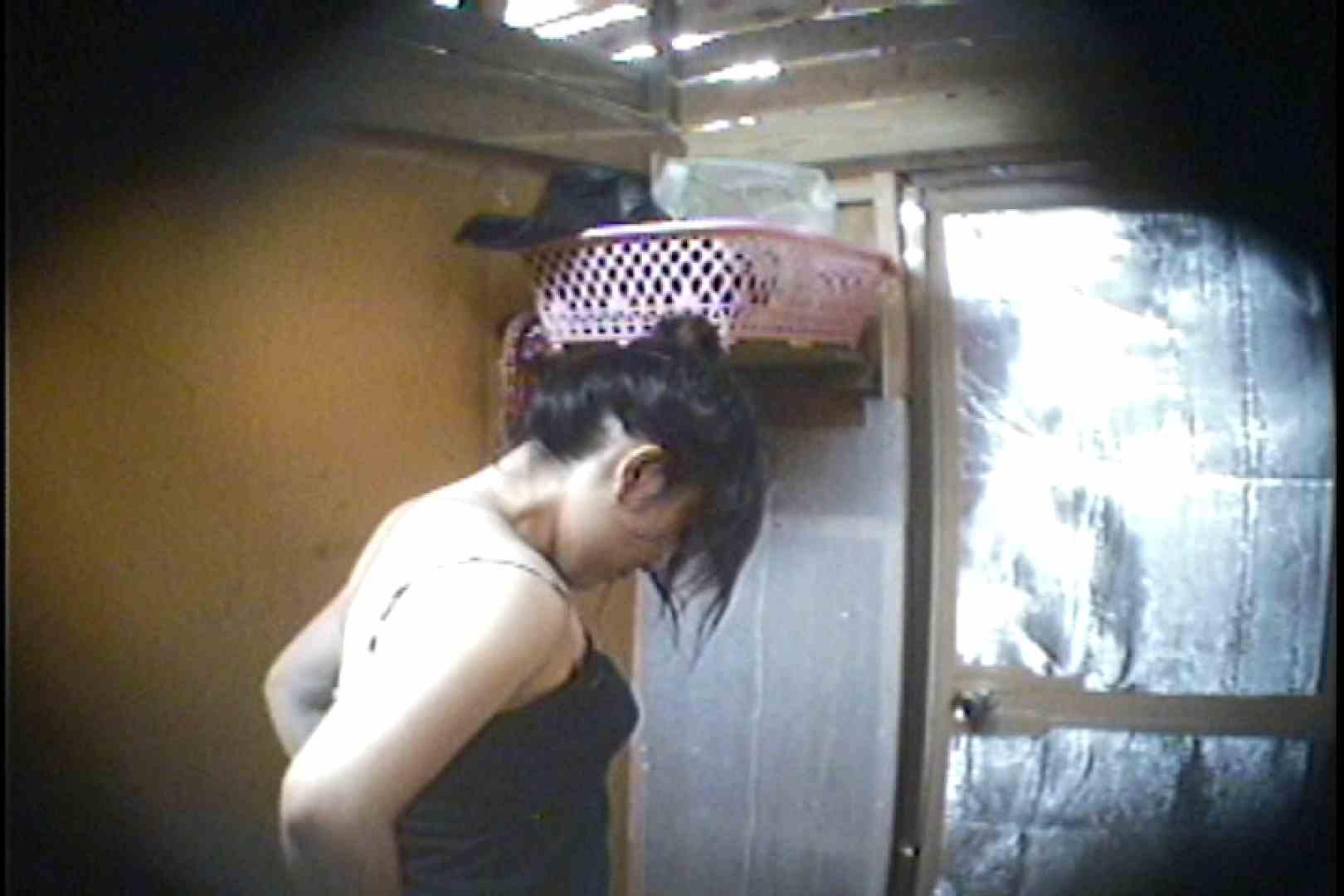 海の家の更衣室 Vol.37 シャワー オマンコ動画キャプチャ 107枚 89