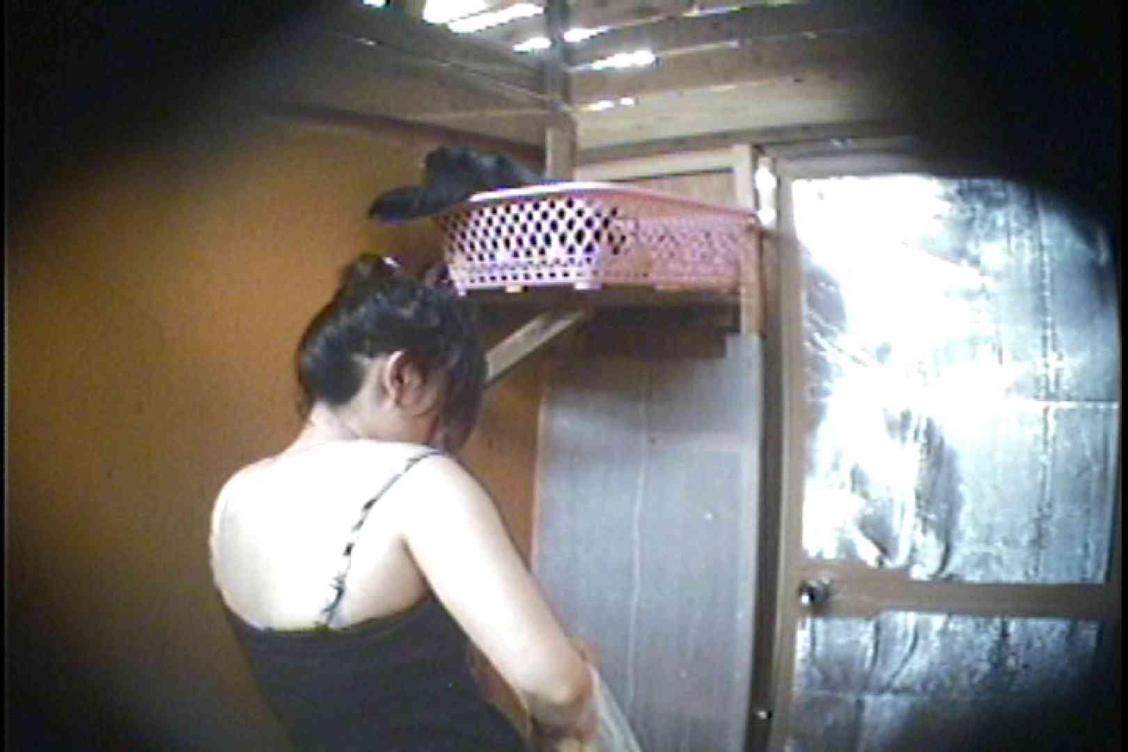 海の家の更衣室 Vol.37 日焼けギャル えろ無修正画像 107枚 97
