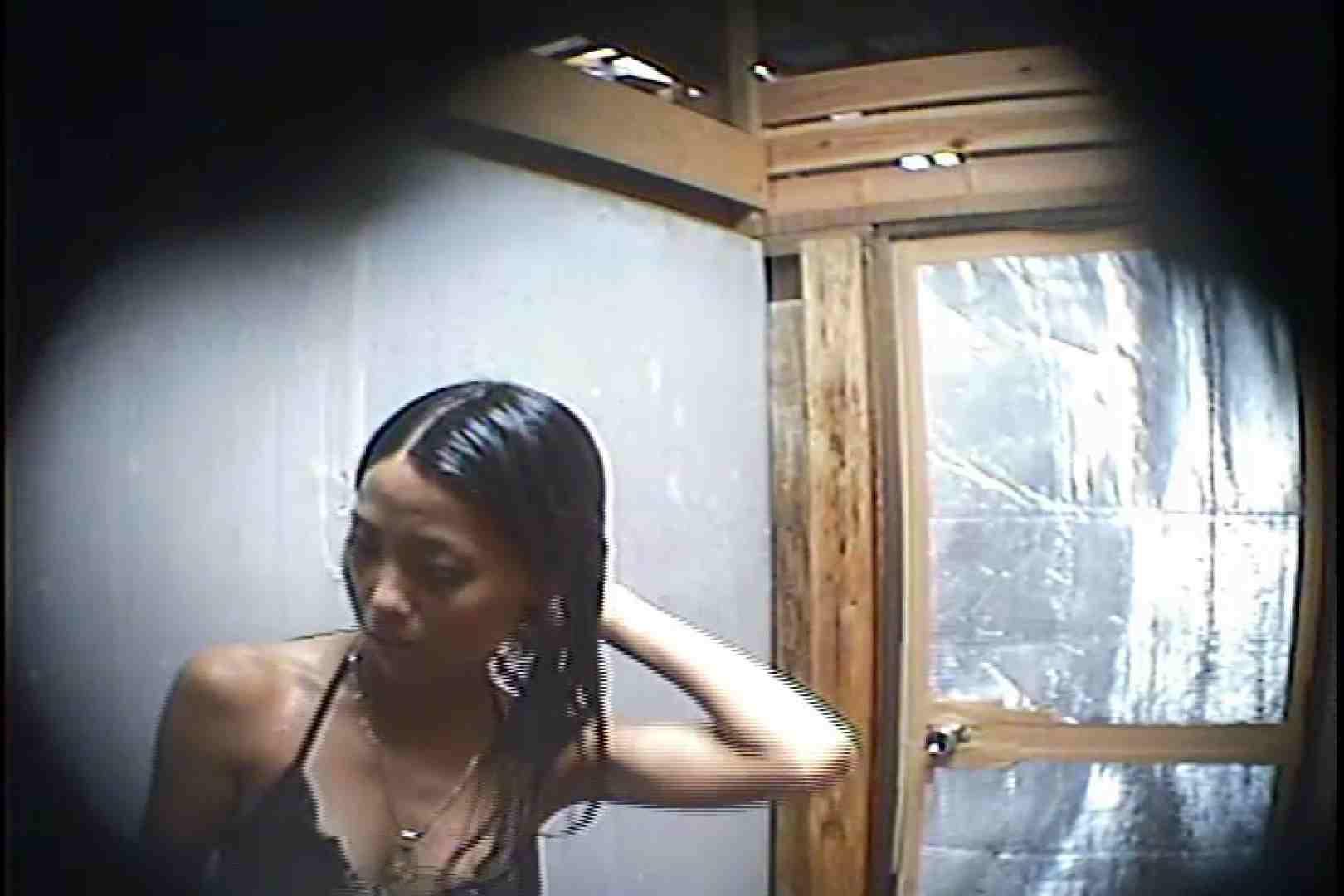 海の家の更衣室 Vol.45 日焼けギャル エロ画像 76枚 47