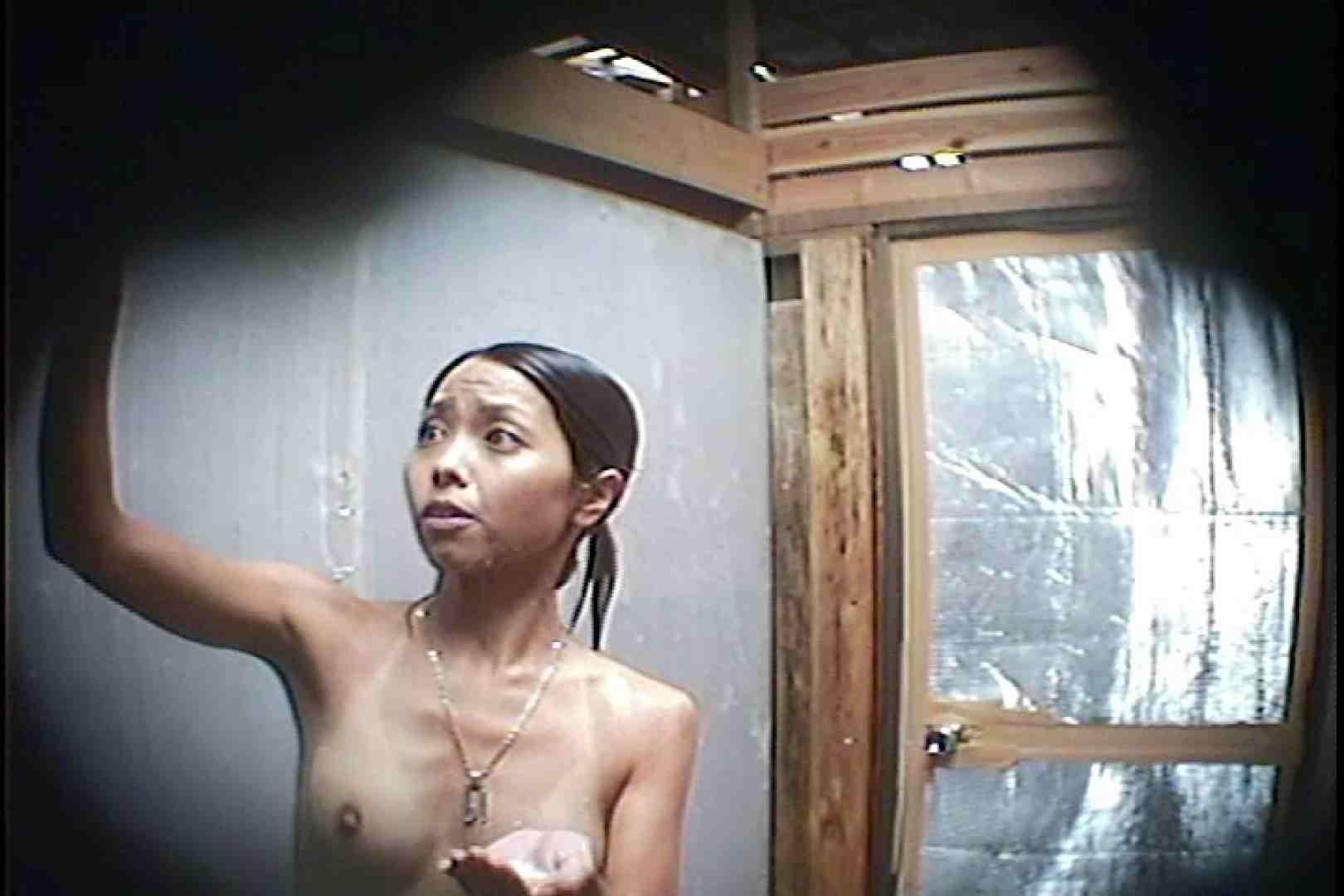 海の家の更衣室 Vol.45 日焼けギャル エロ画像 76枚 65