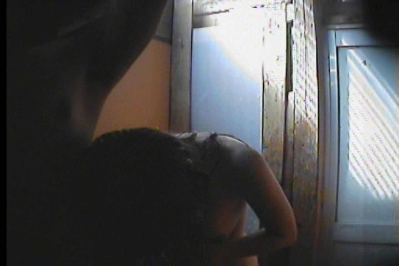 海の家の更衣室 Vol.47 日焼けギャル オメコ無修正動画無料 76枚 55