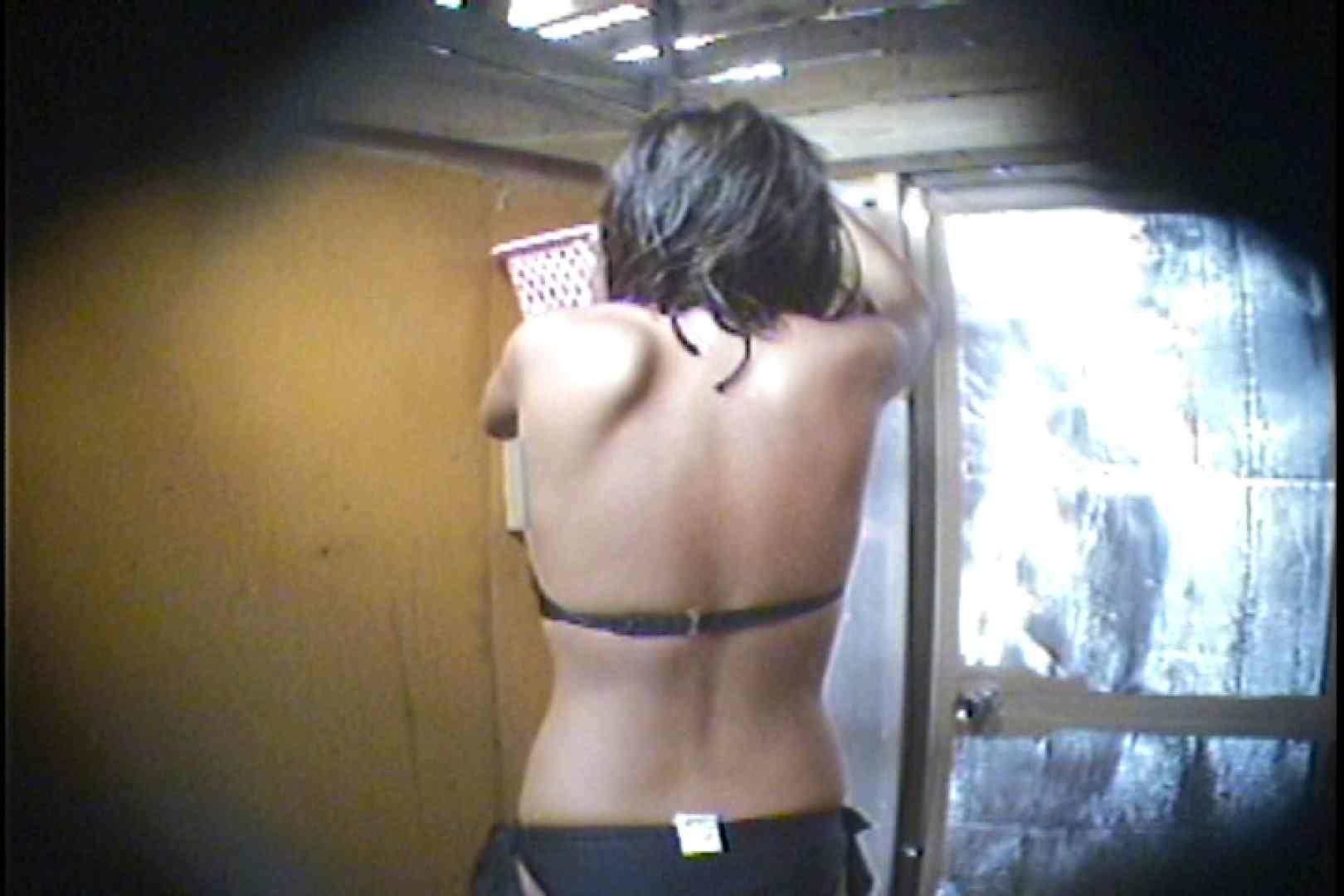海の家の更衣室 Vol.56 シャワー 濡れ場動画紹介 94枚 39