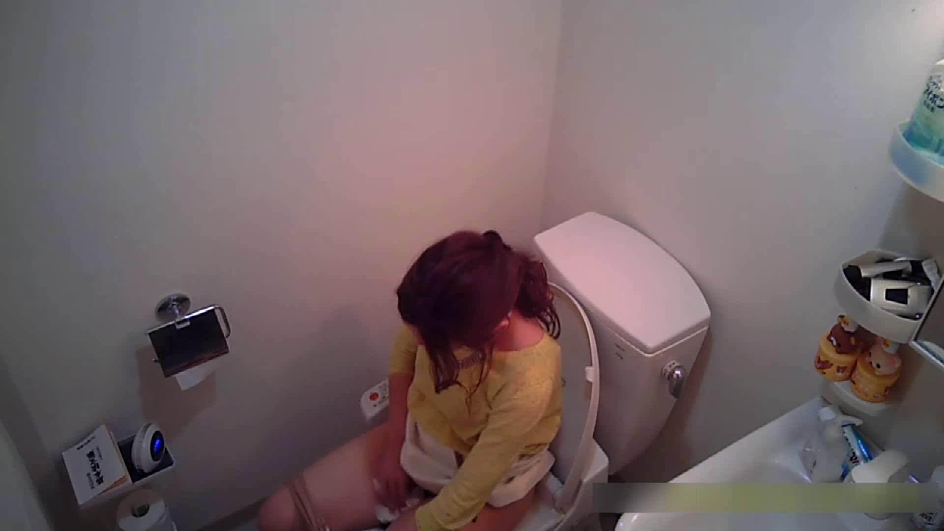 乳首大き目の24歳Y子 トイレ編 トイレ盗撮 | 細身体型  76枚 43