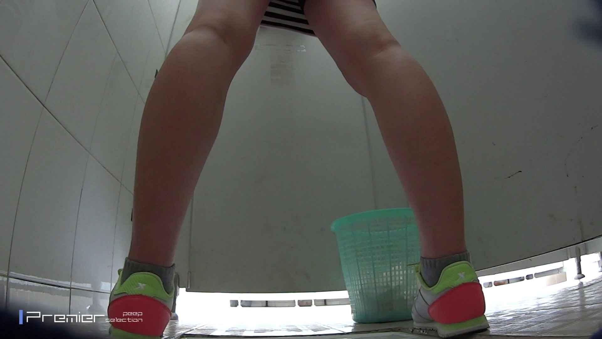 美しい女良たちのトイレ事情 有名大学休憩時間の洗面所事情06 丸見え おまんこ動画流出 90枚 15