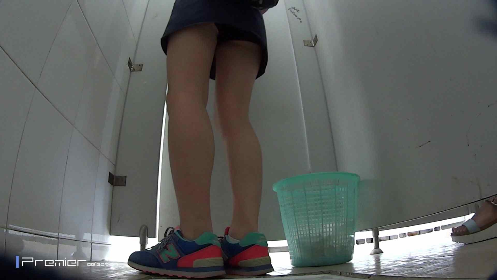 美しい女良たちのトイレ事情 有名大学休憩時間の洗面所事情06 丸見え おまんこ動画流出 90枚 39