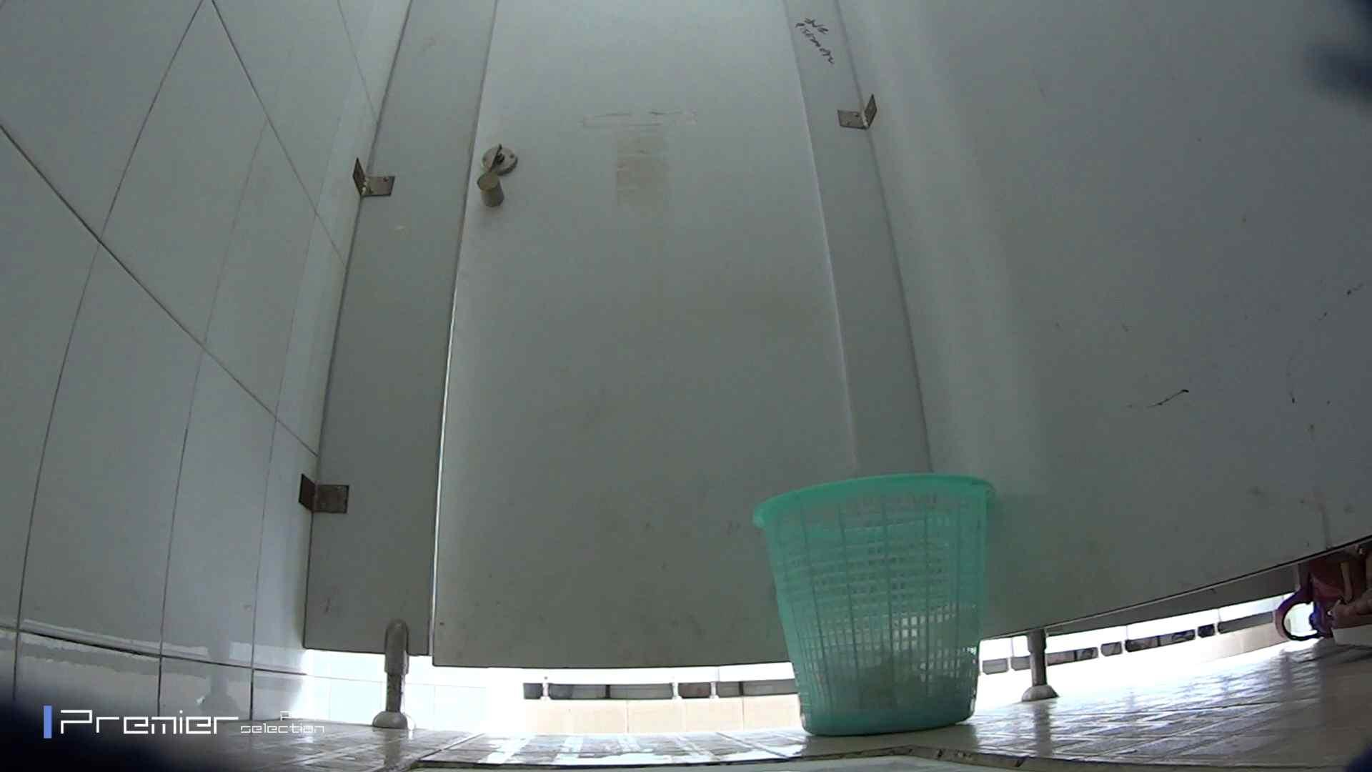 美しい女良たちのトイレ事情 有名大学休憩時間の洗面所事情06 美女 ぱこり動画紹介 90枚 46
