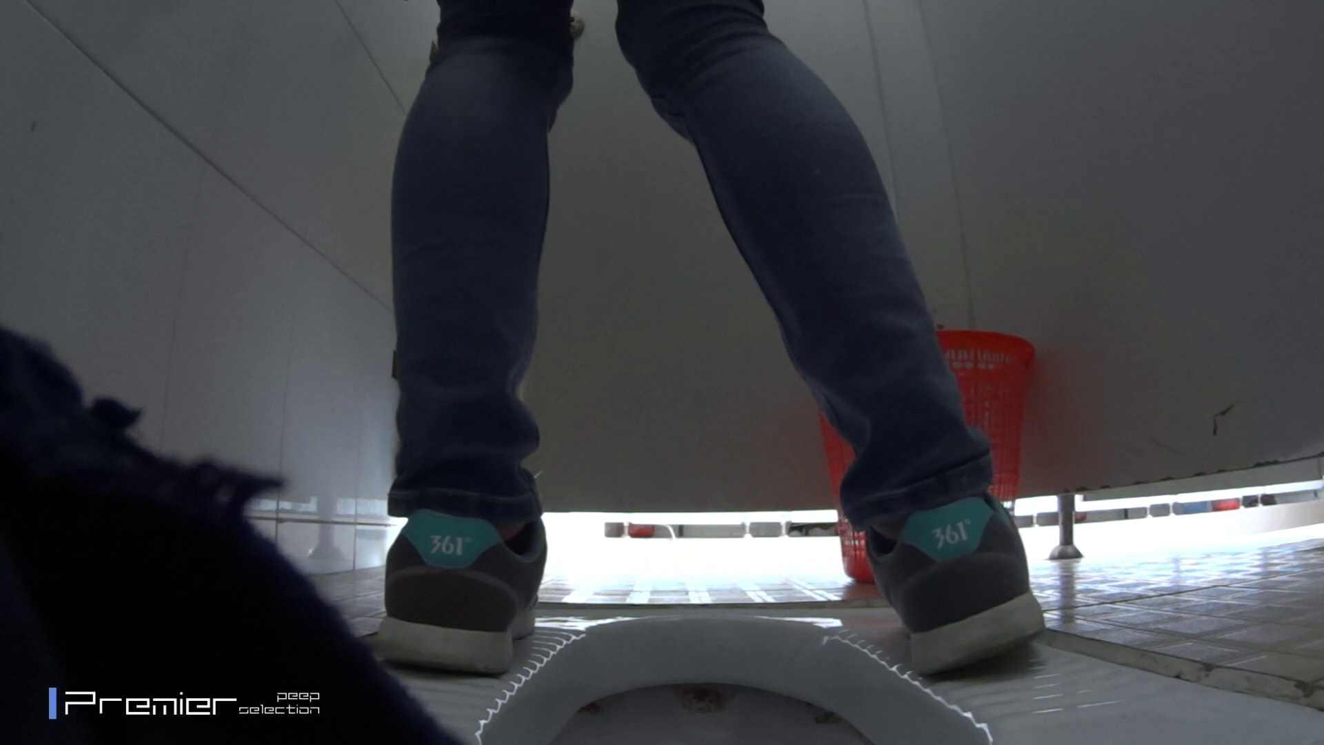 めくれ上がる陰部からの大聖水!大学休憩時間の洗面所事情27 洗面所のぞき アダルト動画キャプチャ 105枚 57