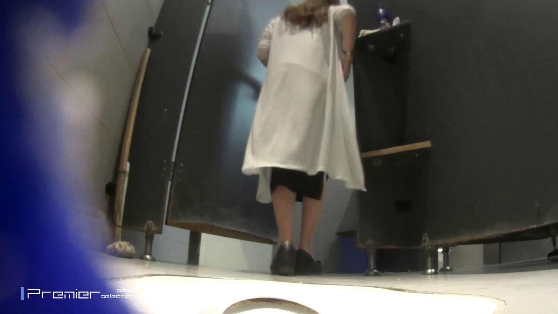 色白美女の洗面所 大学休憩時間の洗面所事情51 細身体型 AV無料 86枚 7
