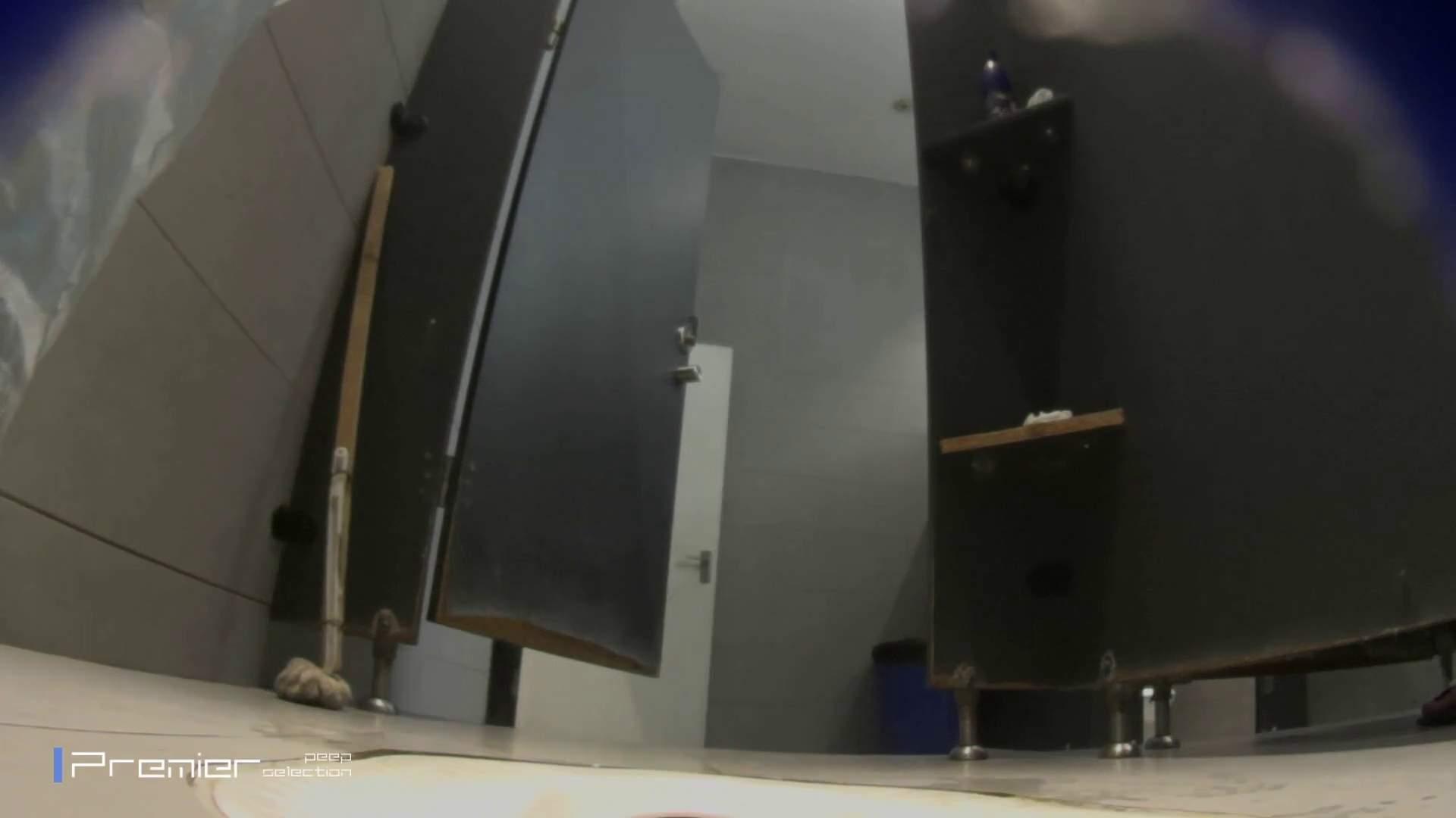 フロントから丸見え! 大学休憩時間の洗面所事情60 盗撮編 | お姉さんのSEX  96枚 1