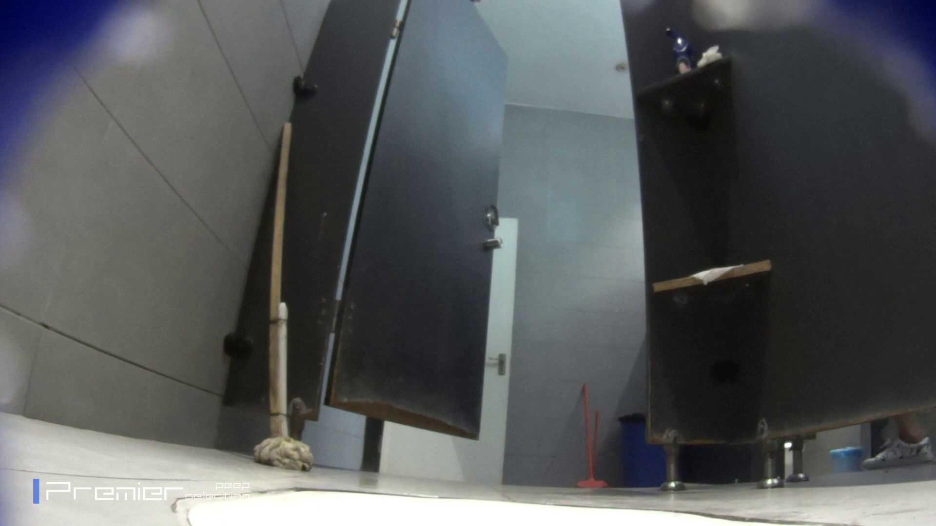 個室のドアを開けたまま放nyoする乙女 大学休憩時間の洗面所事情85 美肌 エロ画像 88枚 42
