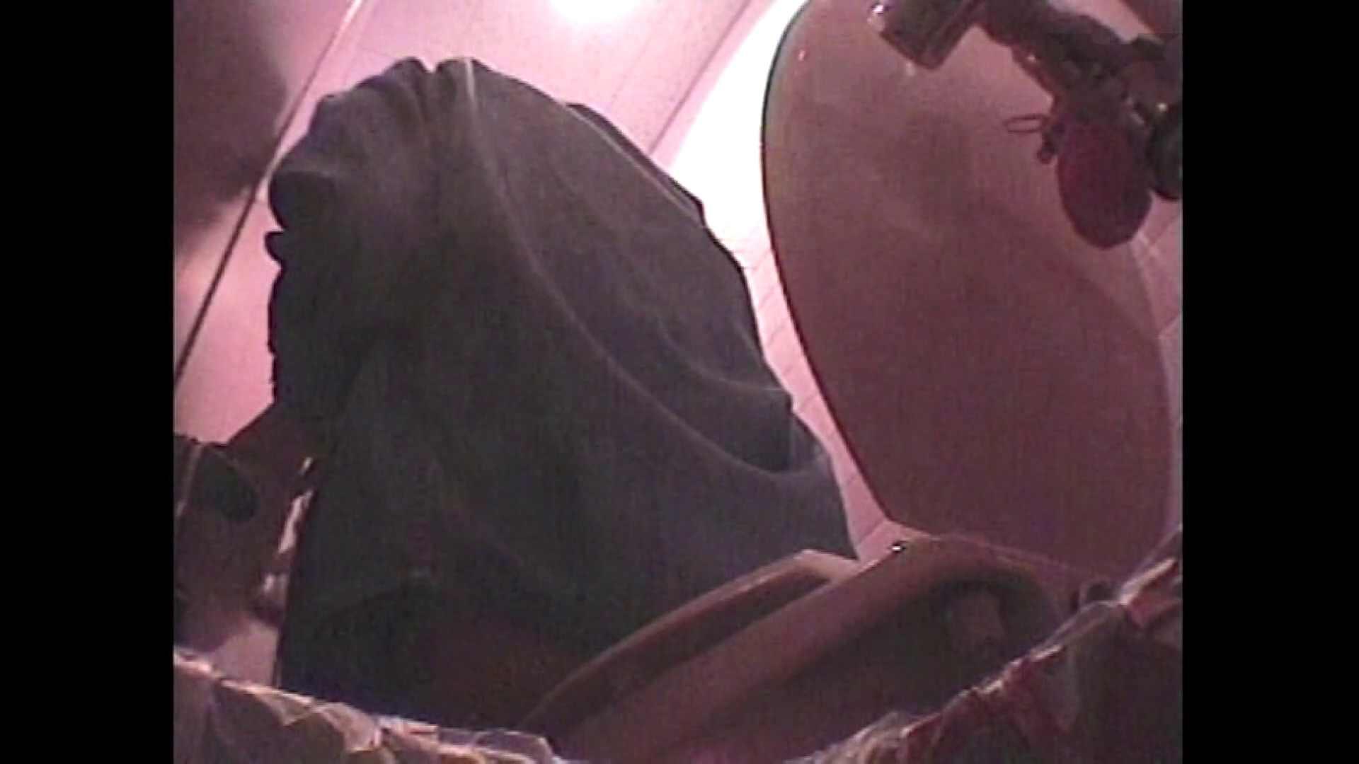 レース場での秘め事 Vol.10 洗面所のぞき アダルト動画キャプチャ 110枚 92