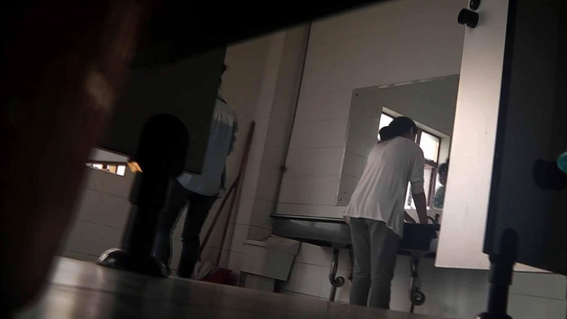 潜入!!台湾名門女学院 Vol.04 二ケツ同時撮り!! 高画質 オメコ動画キャプチャ 101枚 42