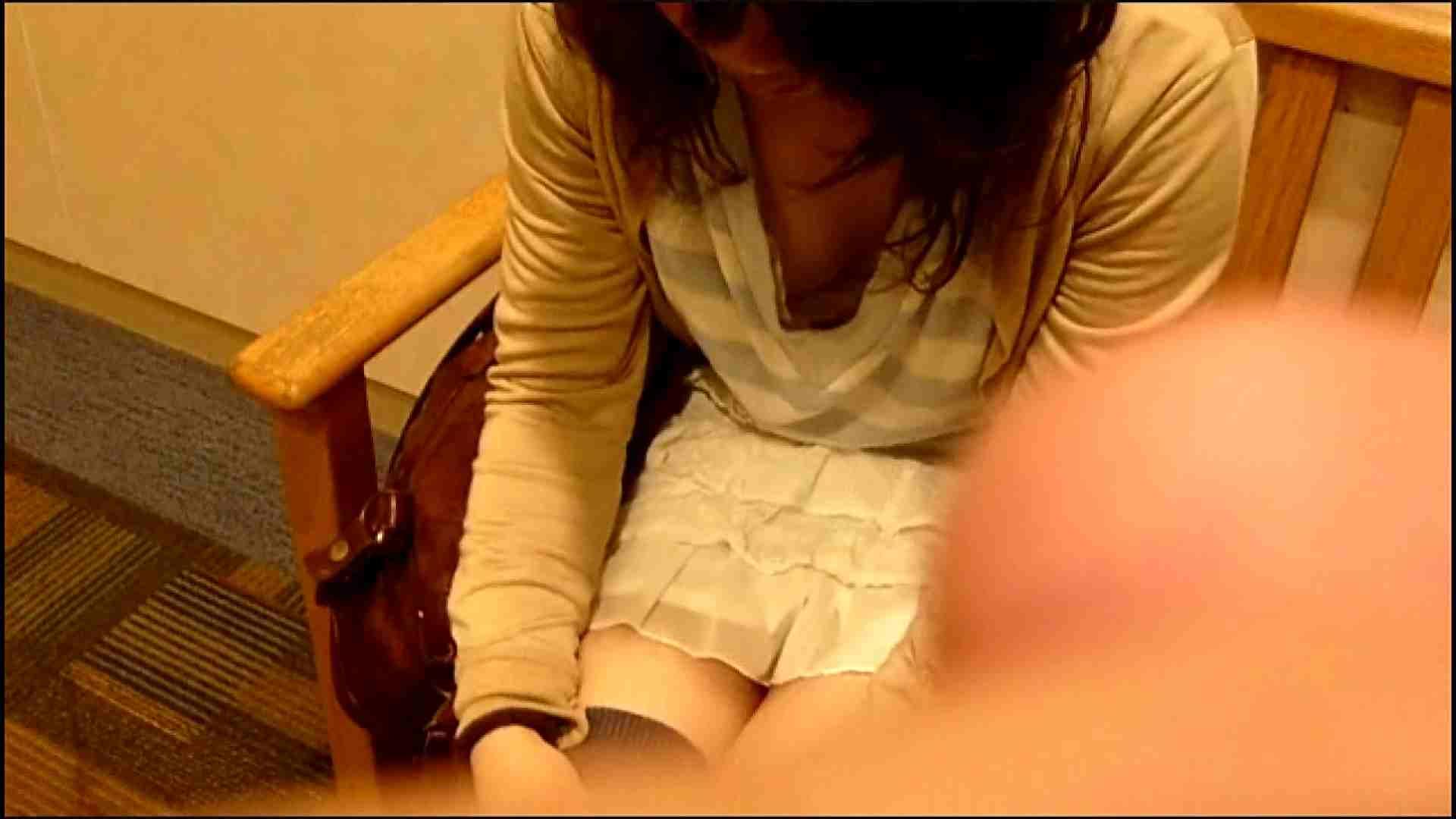 NO.3 某イオNN店内のエレベーター前でケータイに夢中な女の子 チラ見   ギャル達  102枚 28