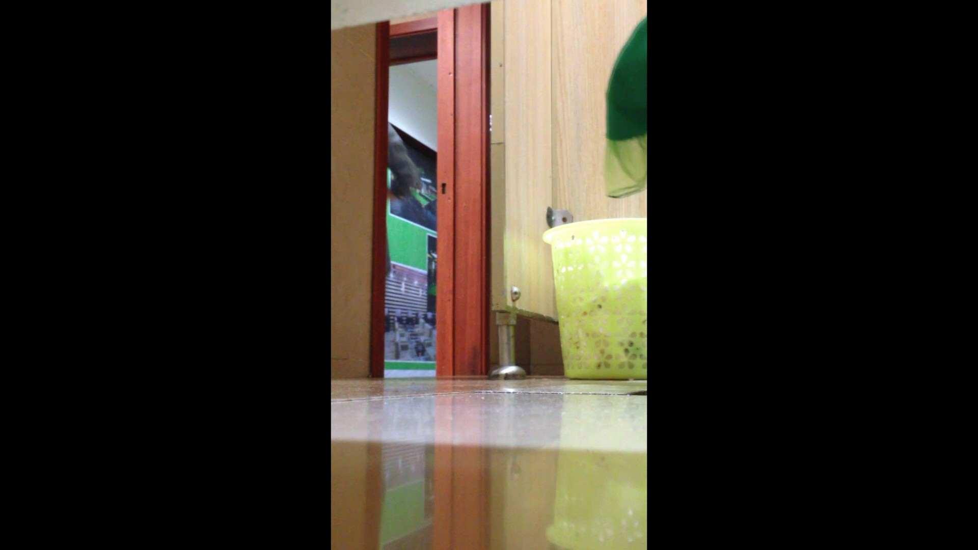 芸術大学ガチ潜入盗撮 JD盗撮 美女の洗面所の秘密 Vol.87 洗面所のぞき AV動画キャプチャ 110枚 6