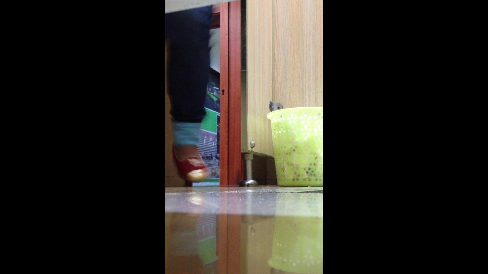 芸術大学ガチ潜入盗撮 JD盗撮 美女の洗面所の秘密 Vol.87 高評価 濡れ場動画紹介 110枚 105