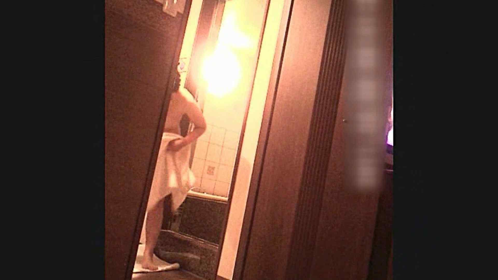 色白!!薬学科 ひろみちゃん  Vol.29 脱衣編 胸チラ・のぞき ぱこり動画紹介 108枚 89