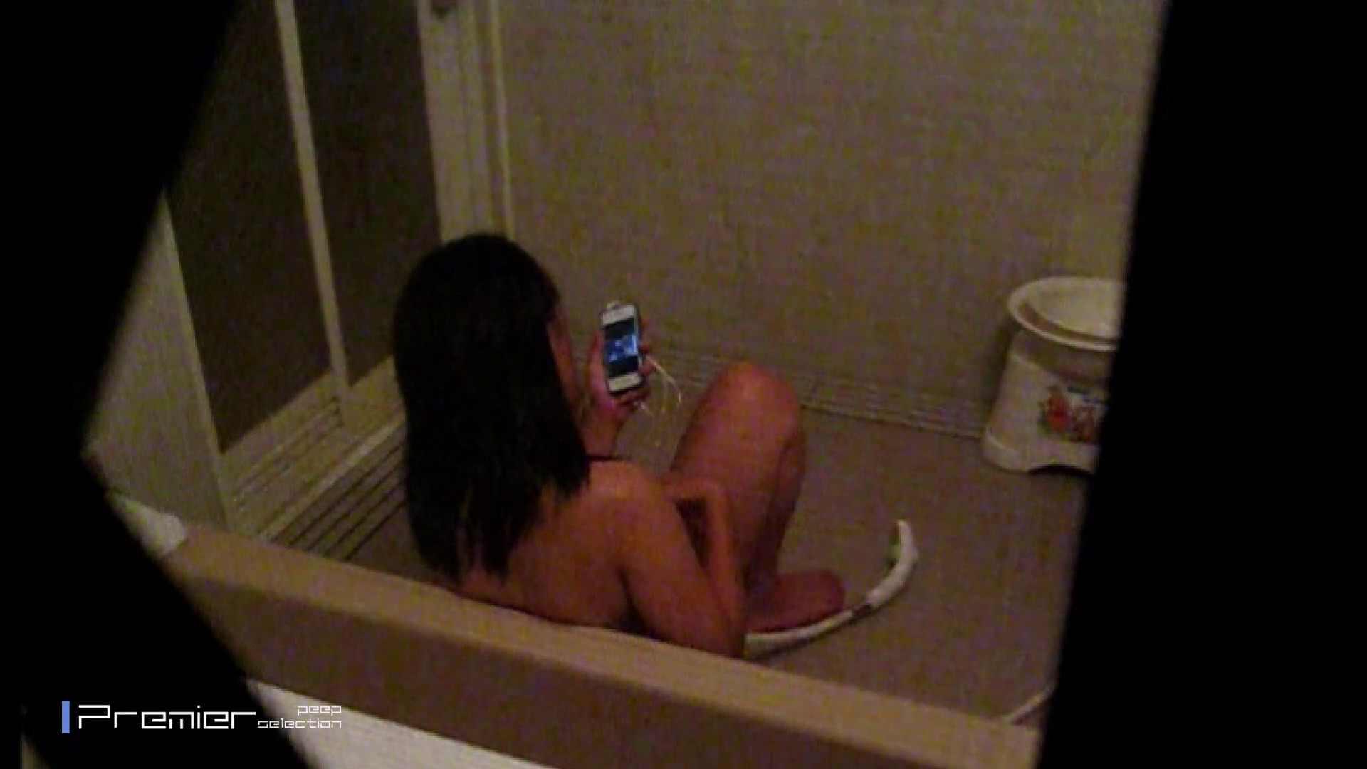 携帯触りなが満子をいじる 乙女の風呂場 Vol.19 細身体型 おまんこ無修正動画無料 106枚 40