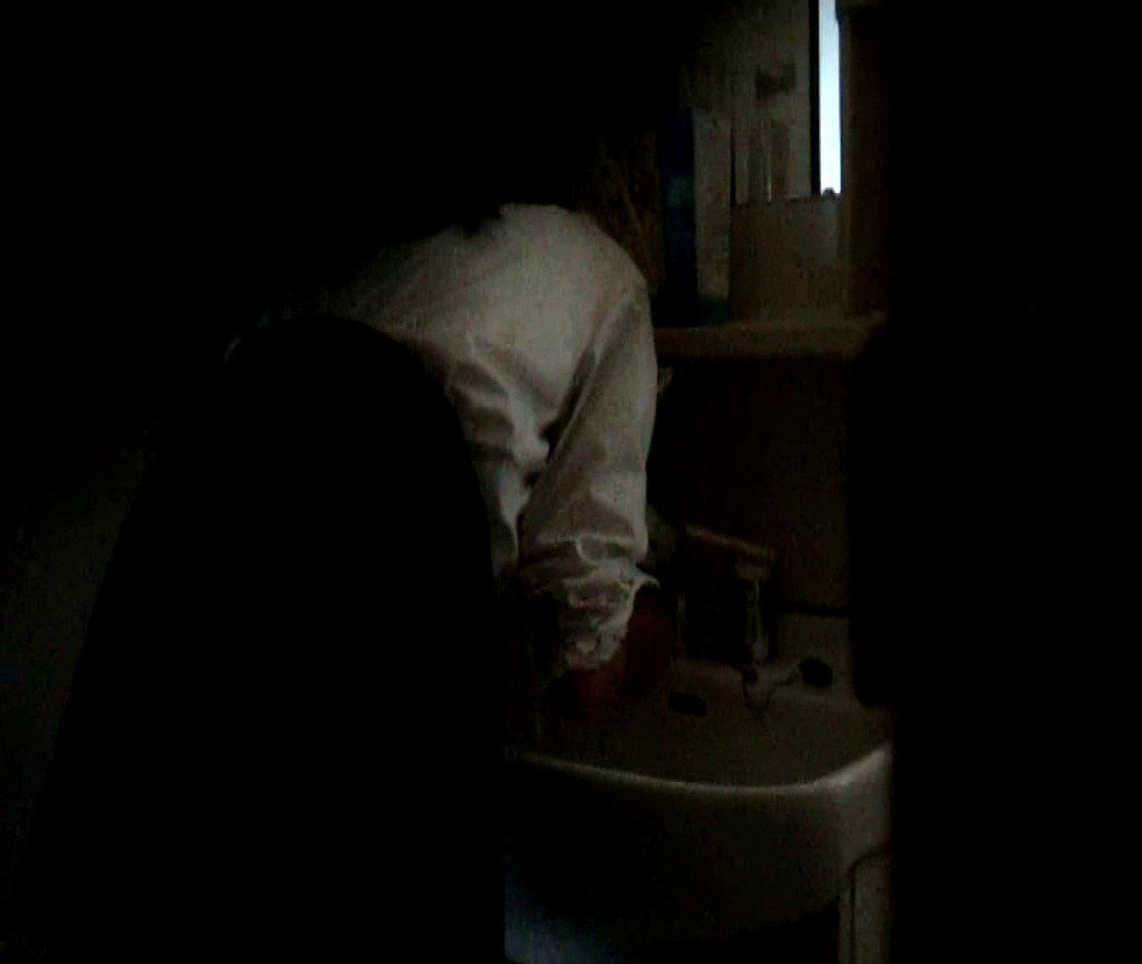 vol.5 まどかが帰宅後の洗顔後にブラを洗ってます。 ○族 おめこ無修正画像 112枚 43
