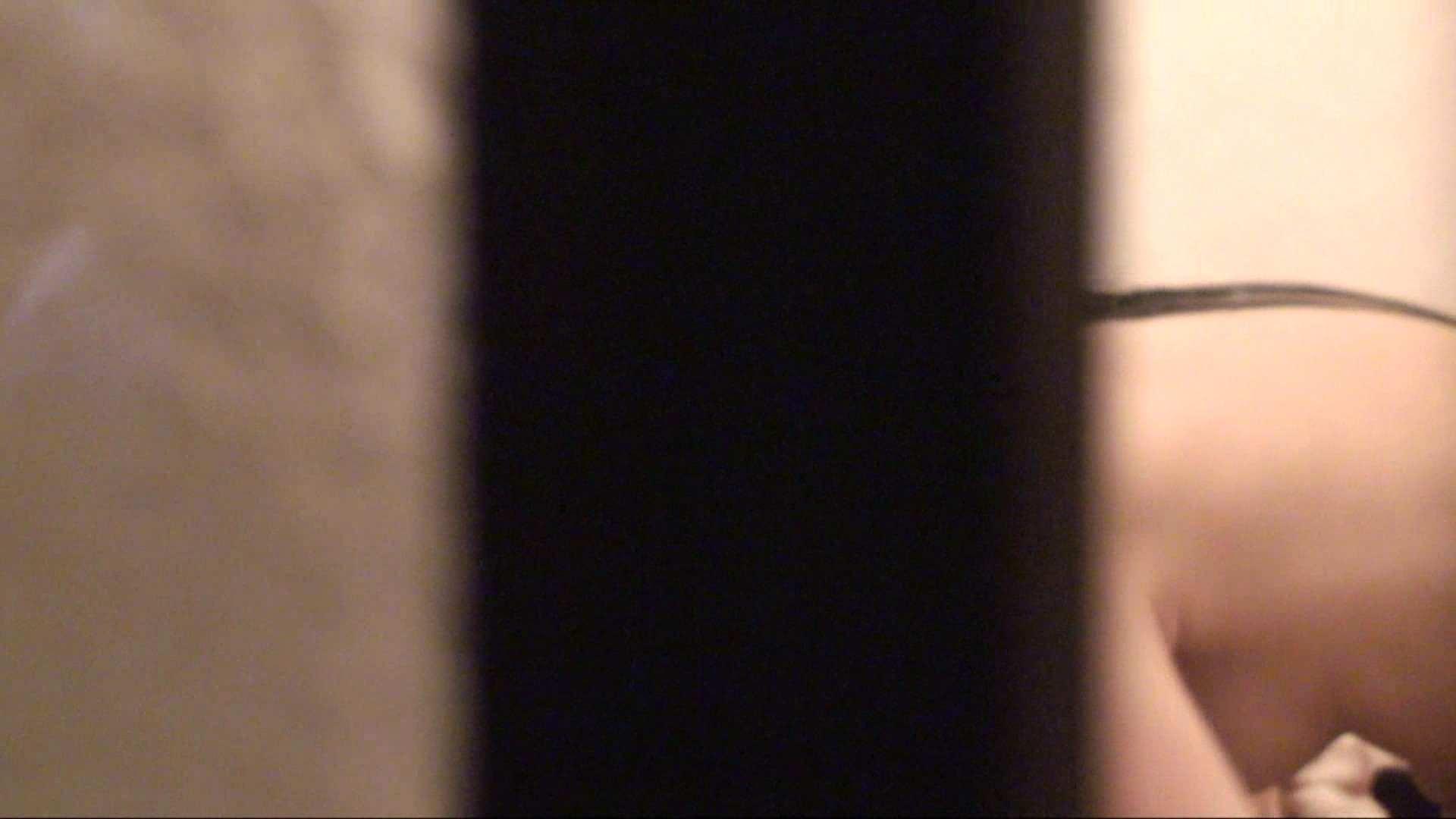 トイレ盗撮|vol.01必見!白肌嬢の乳首が丸見え。極上美人のすっぴん顔をハイビジョンで!|怪盗ジョーカー