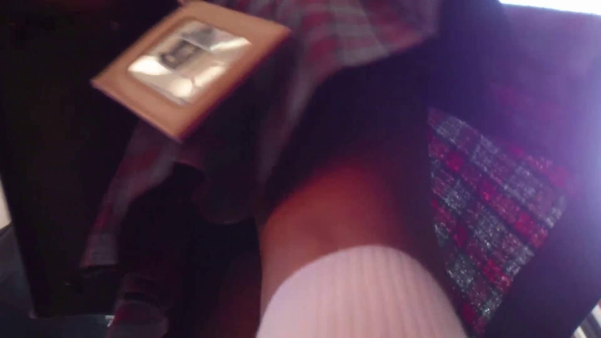 期間限定 超炉利盗撮 Vol.04 神キタ~達の炉利パンツを激撮 パンチラ女子 戯れ無修正画像 93枚 18