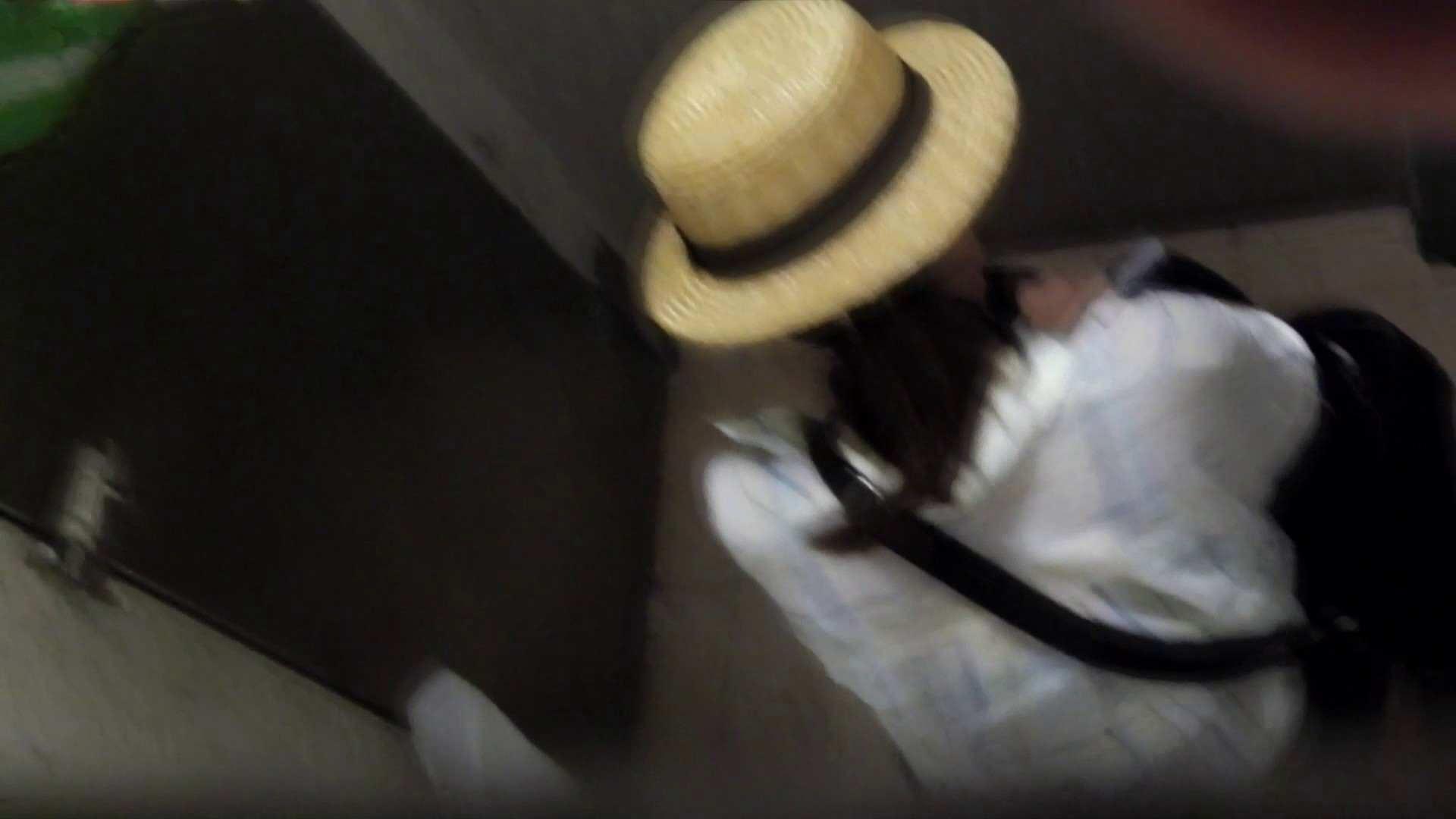 ▲復活限定▲マンコ丸見え!花火大会潜入撮 Vol.02 明るい場所に移動! マンコ | 洗面所のぞき  112枚 46