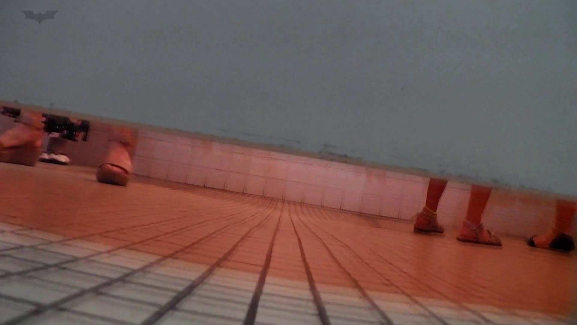 ▲復活限定▲マンコ丸見え!花火大会潜入撮 Vol.02 明るい場所に移動! 高画質 ぱこり動画紹介 112枚 78