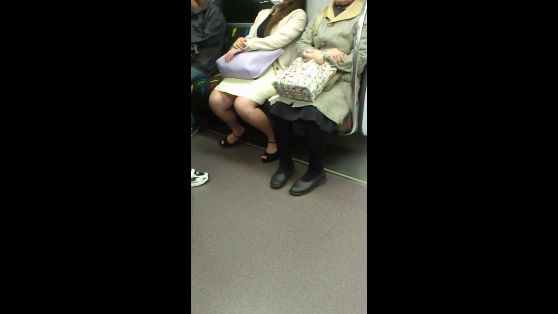 盗撮列車 Vol.55 黄色の爽やかなスカートが大好きです。 パンチラ女子 濡れ場動画紹介 89枚 17