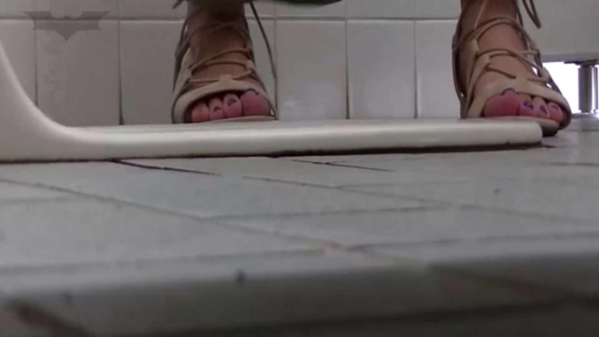 夏の思い出浜辺トイレ盗撮Vol.22 和式便所 戯れ無修正画像 88枚 83
