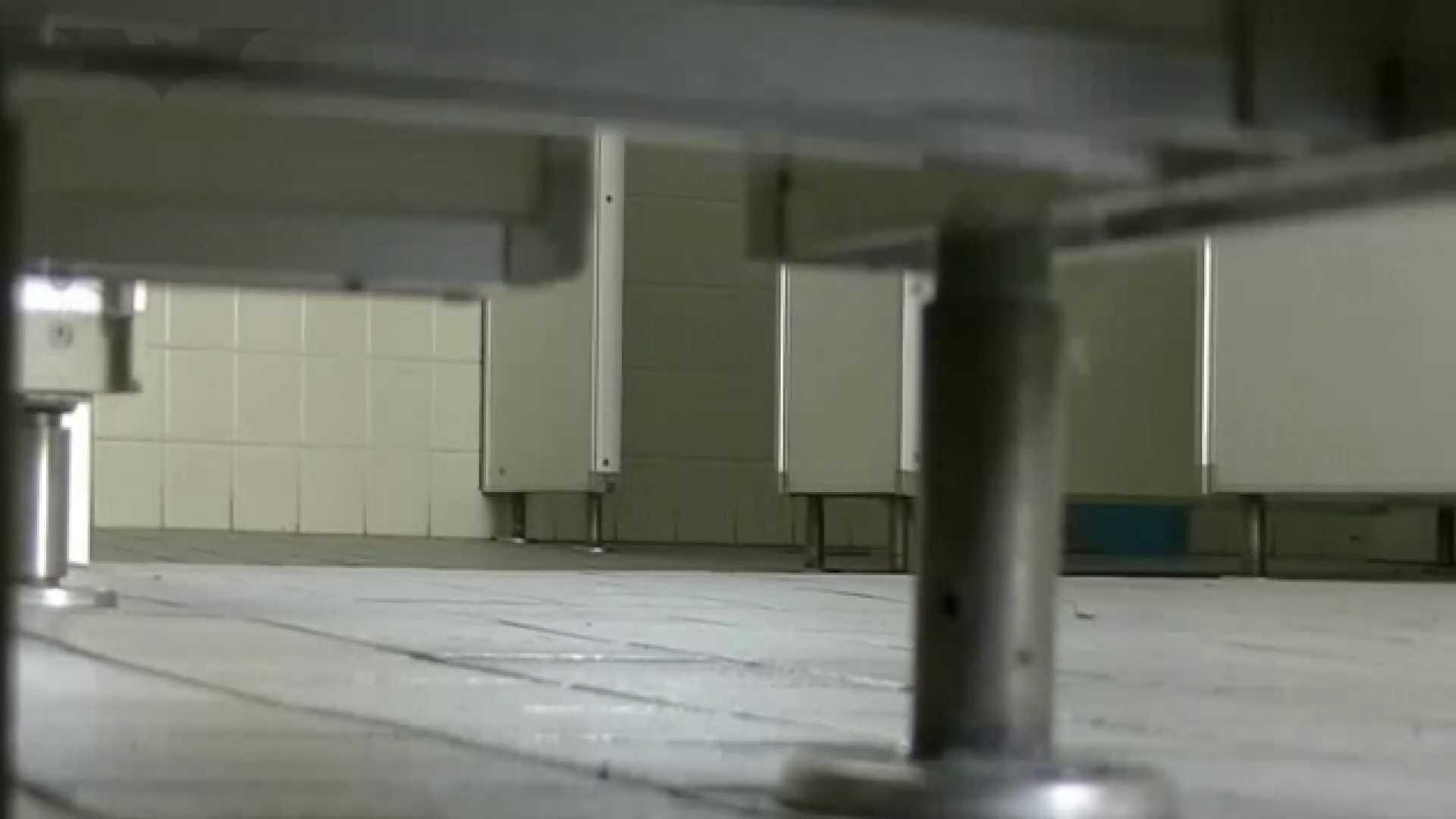 夏の思い出浜辺トイレ盗撮Vol.24 和式便所 盗撮 97枚 72