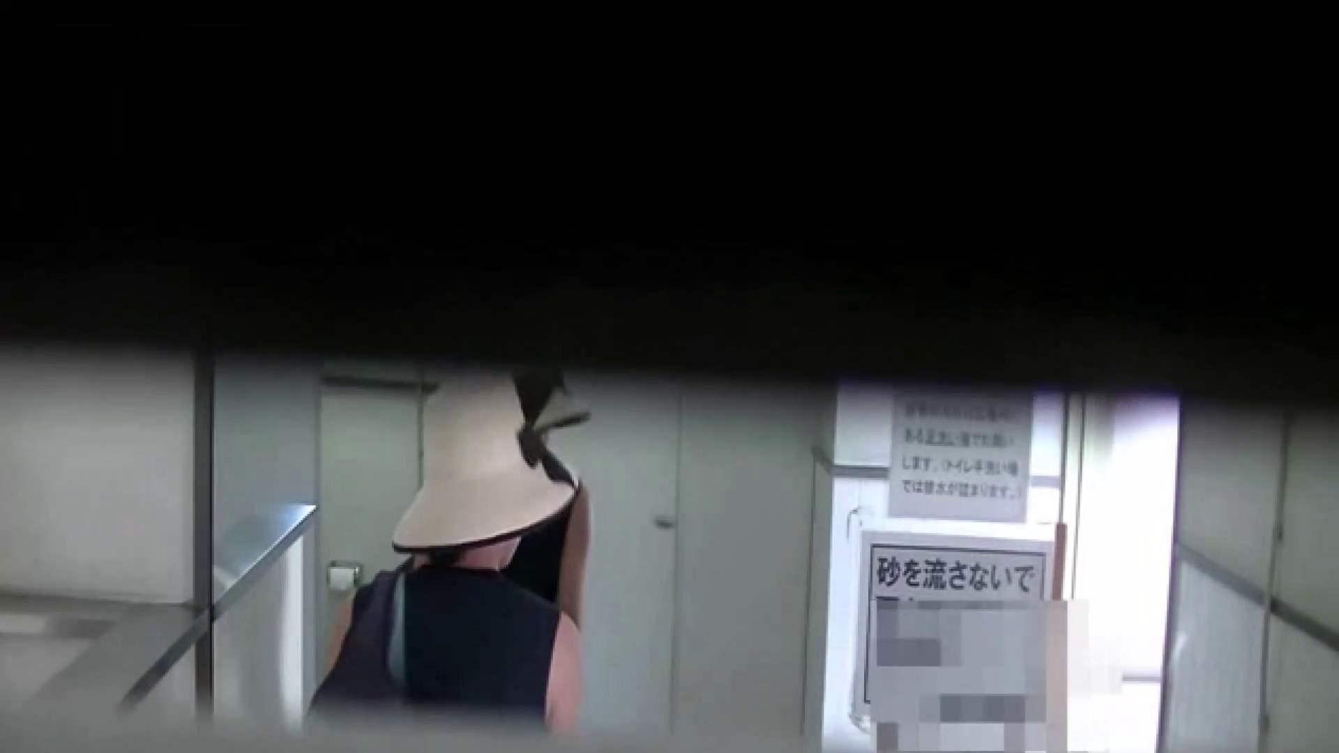 夏の思い出浜辺トイレ盗撮Vol.26 和式便所 エロ無料画像 76枚 23