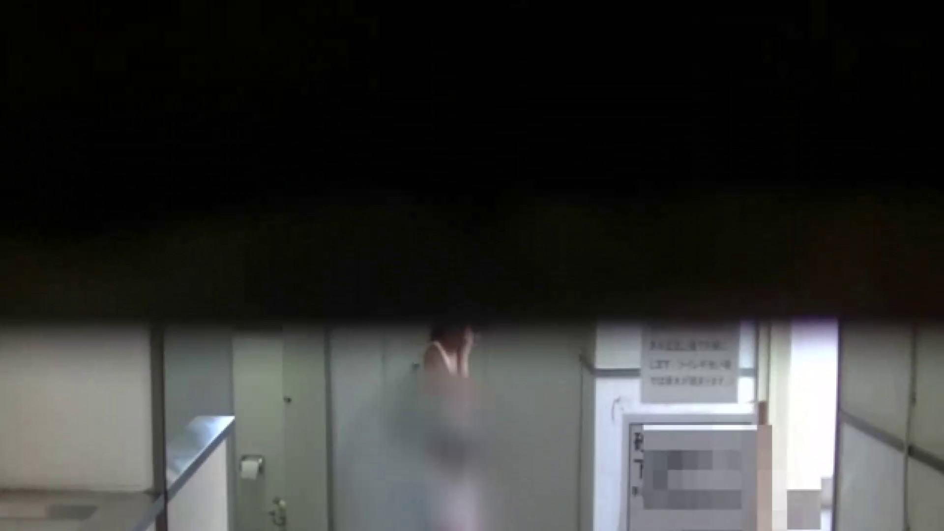 夏の思い出浜辺トイレ盗撮Vol.28 潜入  89枚 70
