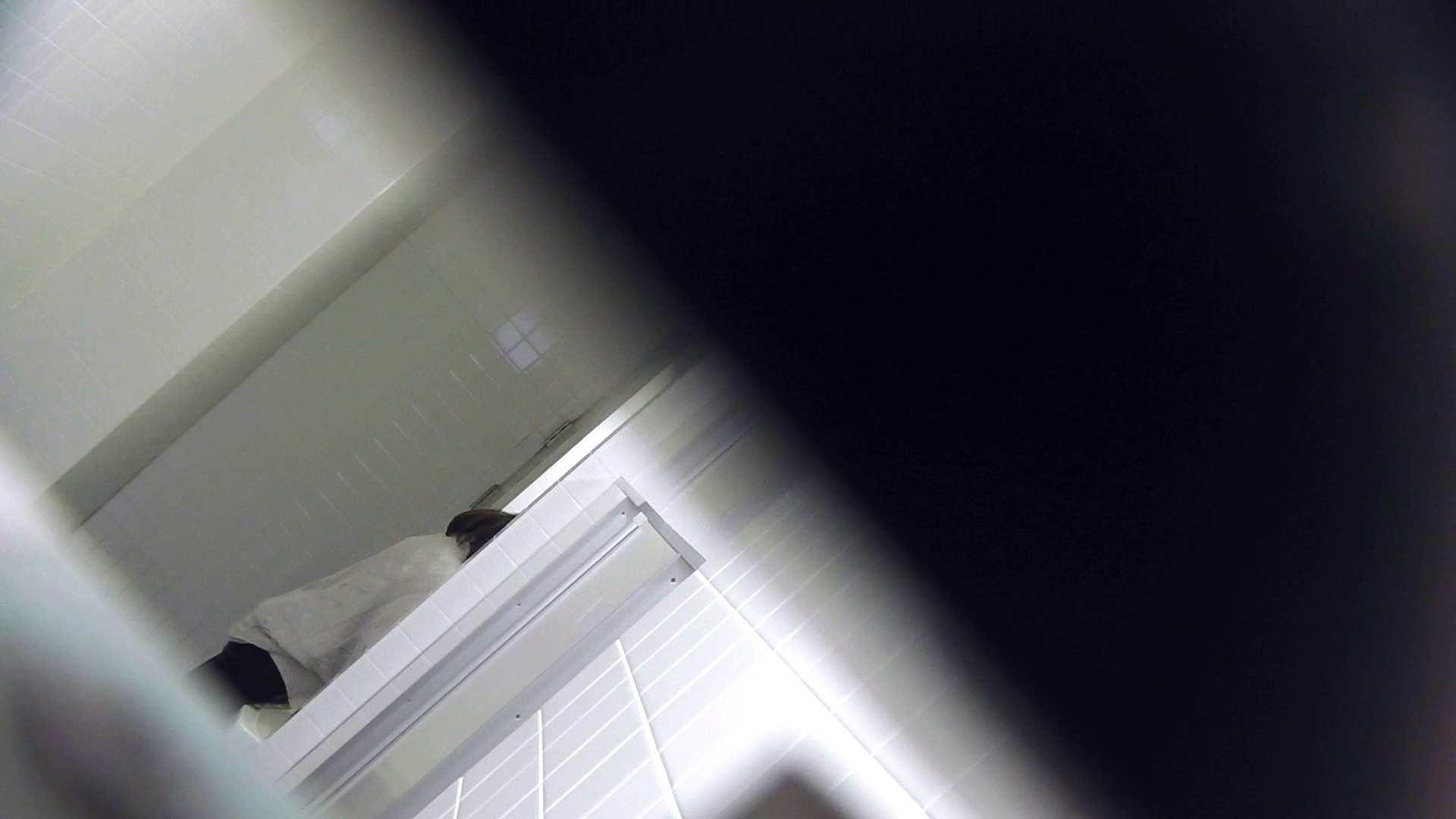 お銀さんの「洗面所突入レポート!!」Nol.2 ギャル達 えろ無修正画像 94枚 74