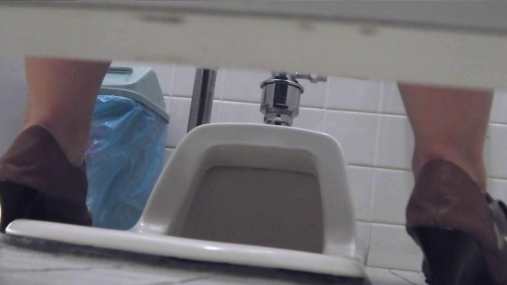 お銀さんの「洗面所突入レポート!!」Nol.2 美人の裸体 | 洗面所のぞき  94枚 79