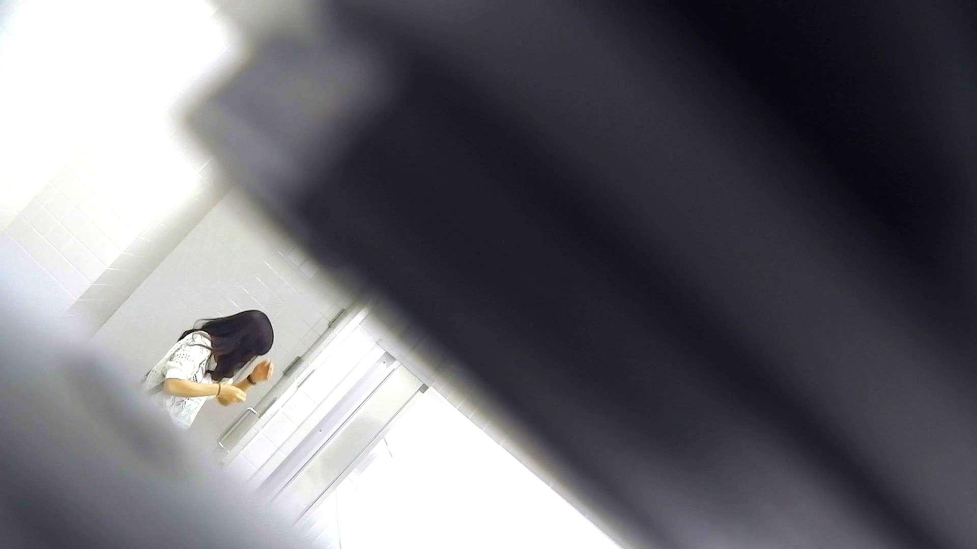 お銀さんの「洗面所突入レポート!!」Nol.3 丸見え オマンコ動画キャプチャ 109枚 80