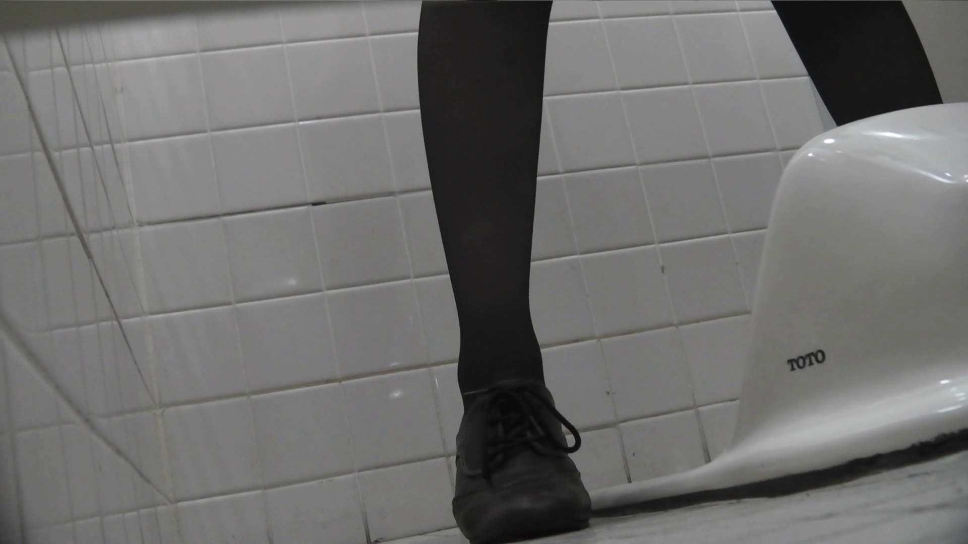 お銀さんの「洗面所突入レポート!!」Nol.10 美人の裸体   ギャル達  85枚 31