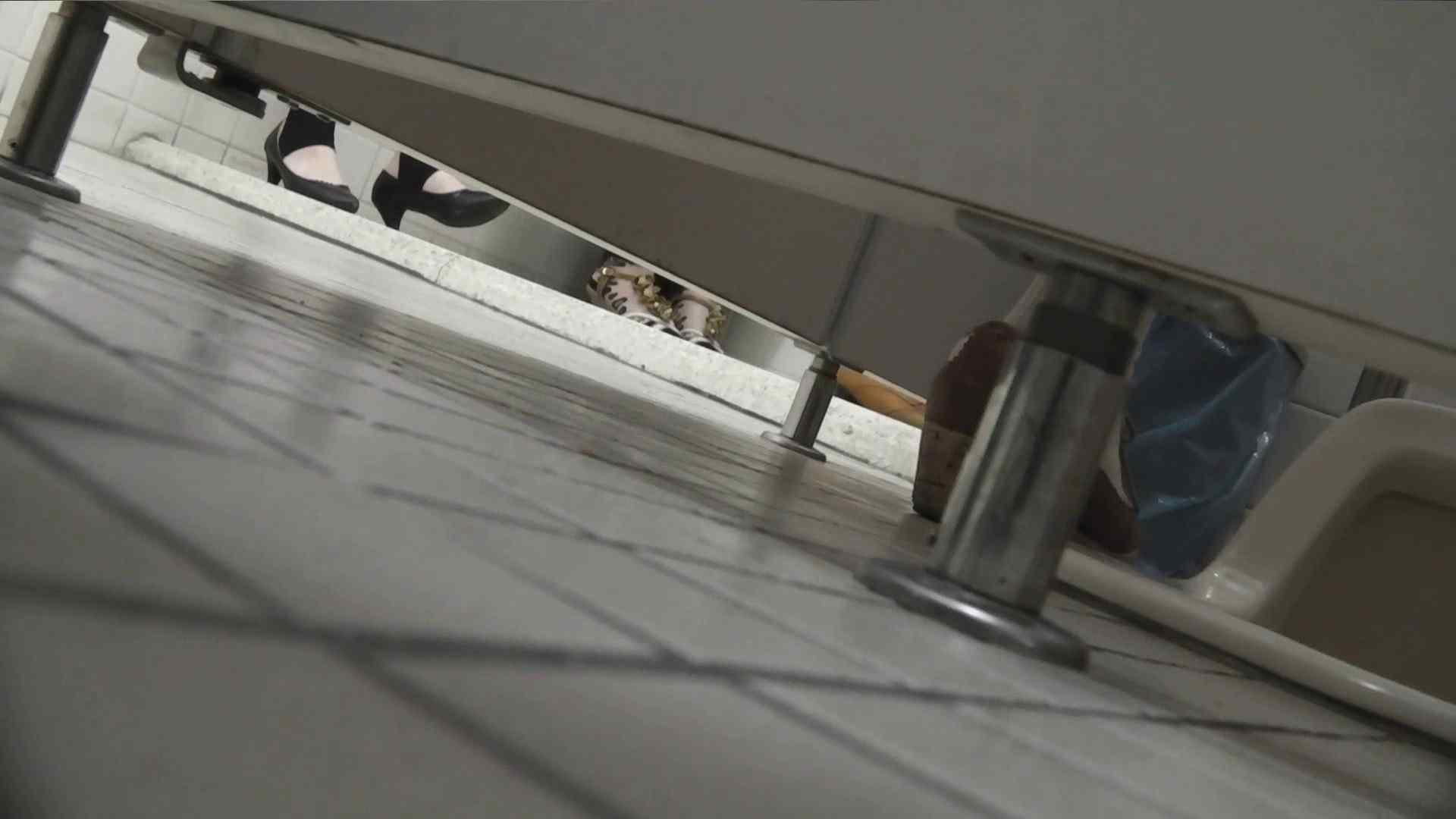 お銀さんの「洗面所突入レポート!!」Nol.22 丸見え おまんこ無修正動画無料 84枚 39
