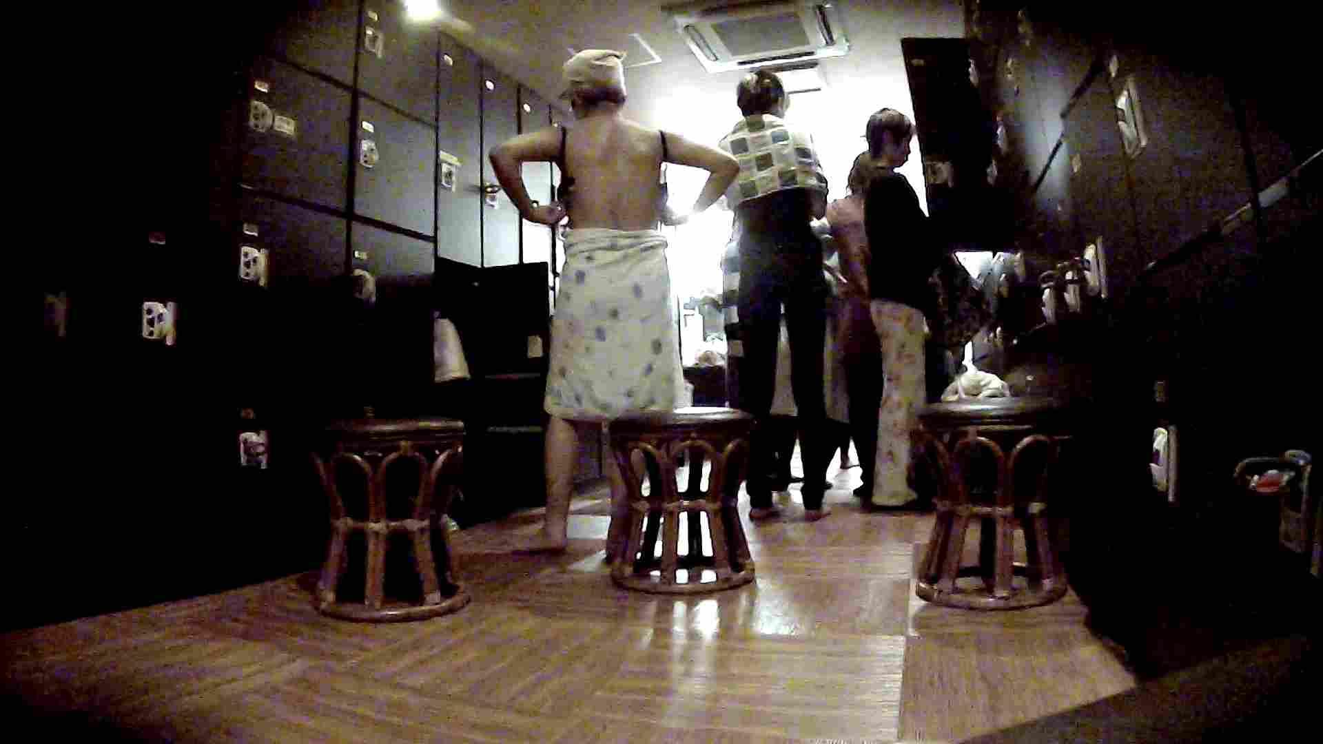 脱衣所!オムニバス 大混雑!注目はあの人の御御足でしょう。 盛合せ AV無料 109枚 2