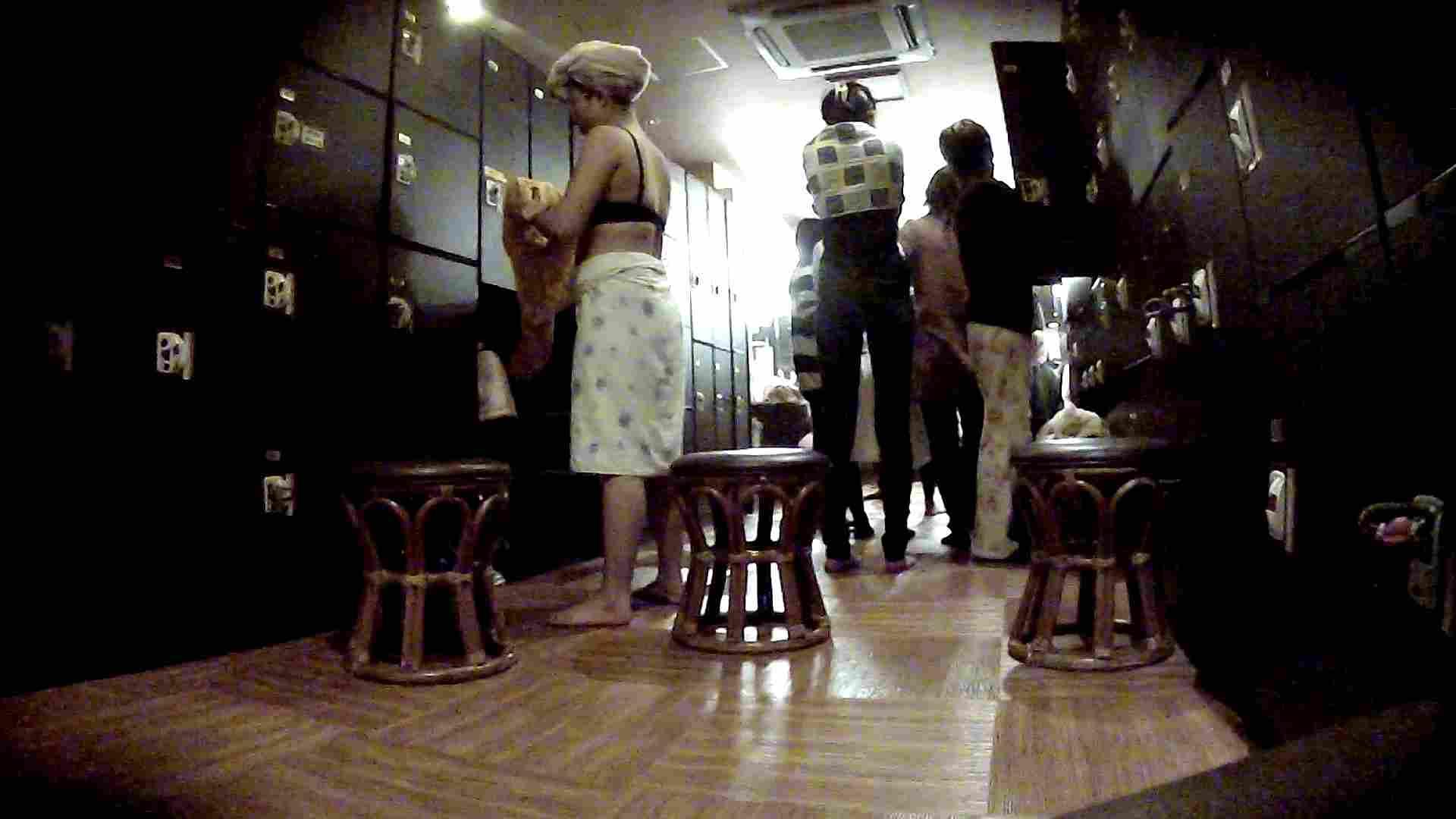 脱衣所!オムニバス 大混雑!注目はあの人の御御足でしょう。 女湯のぞき オマンコ無修正動画無料 109枚 5