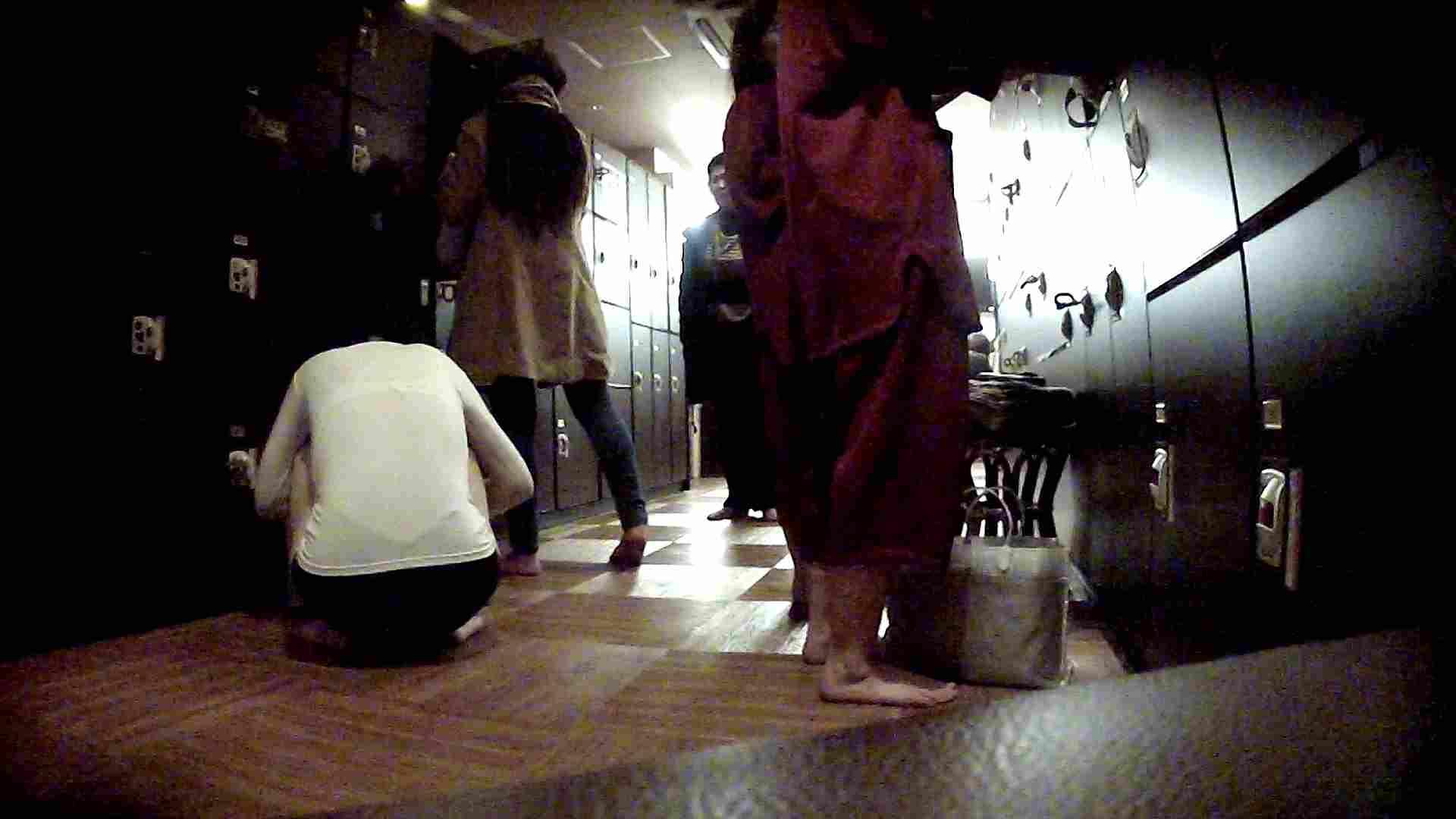 脱衣所!オムニバス 大混雑!注目はあの人の御御足でしょう。 お姉さんのSEX ぱこり動画紹介 109枚 17