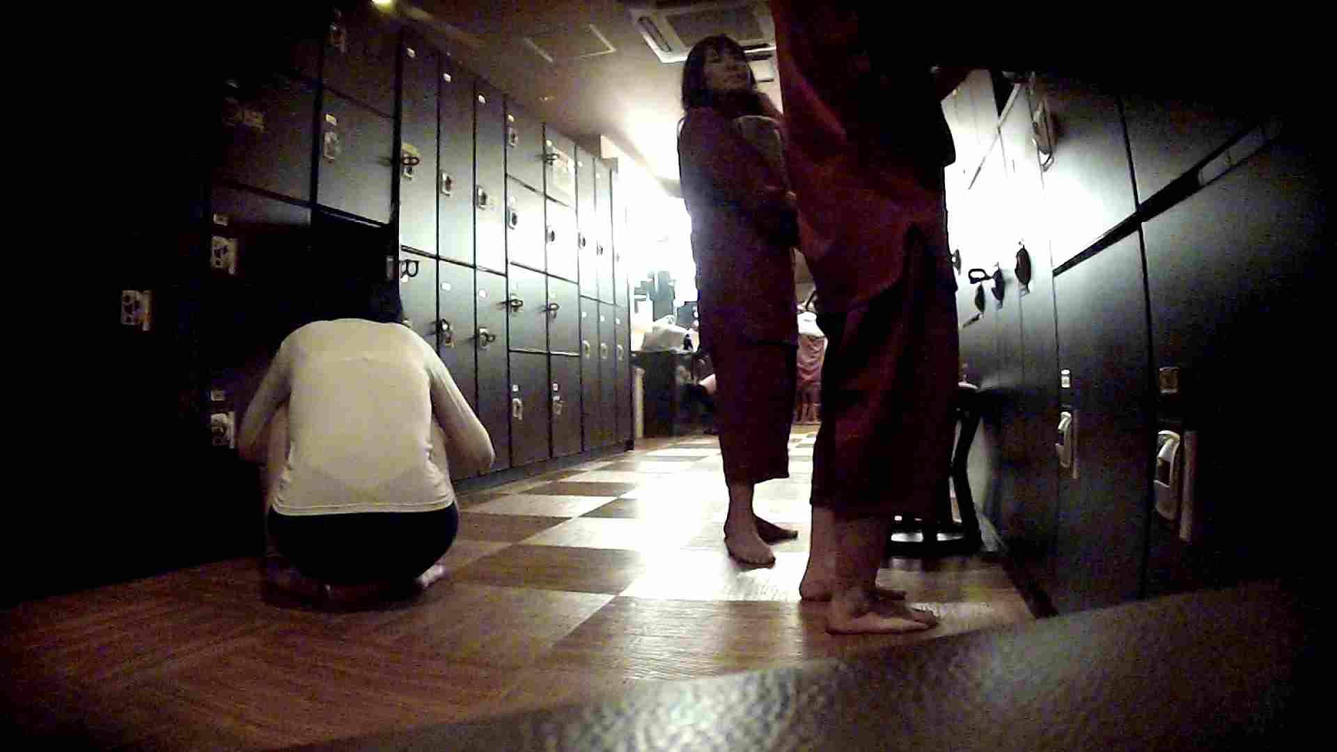 脱衣所!オムニバス 大混雑!注目はあの人の御御足でしょう。 盛合せ AV無料 109枚 23