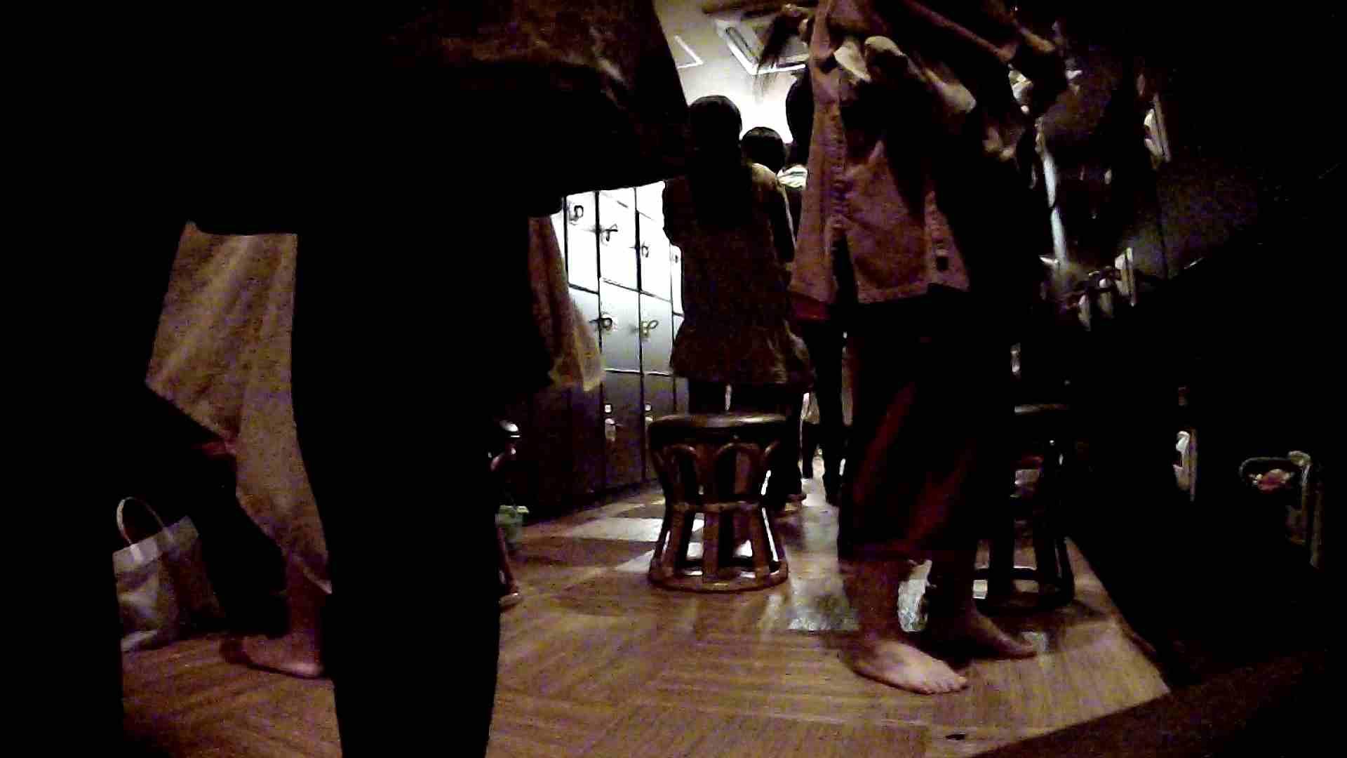 脱衣所!オムニバス 大混雑!注目はあの人の御御足でしょう。 盛合せ AV無料 109枚 51