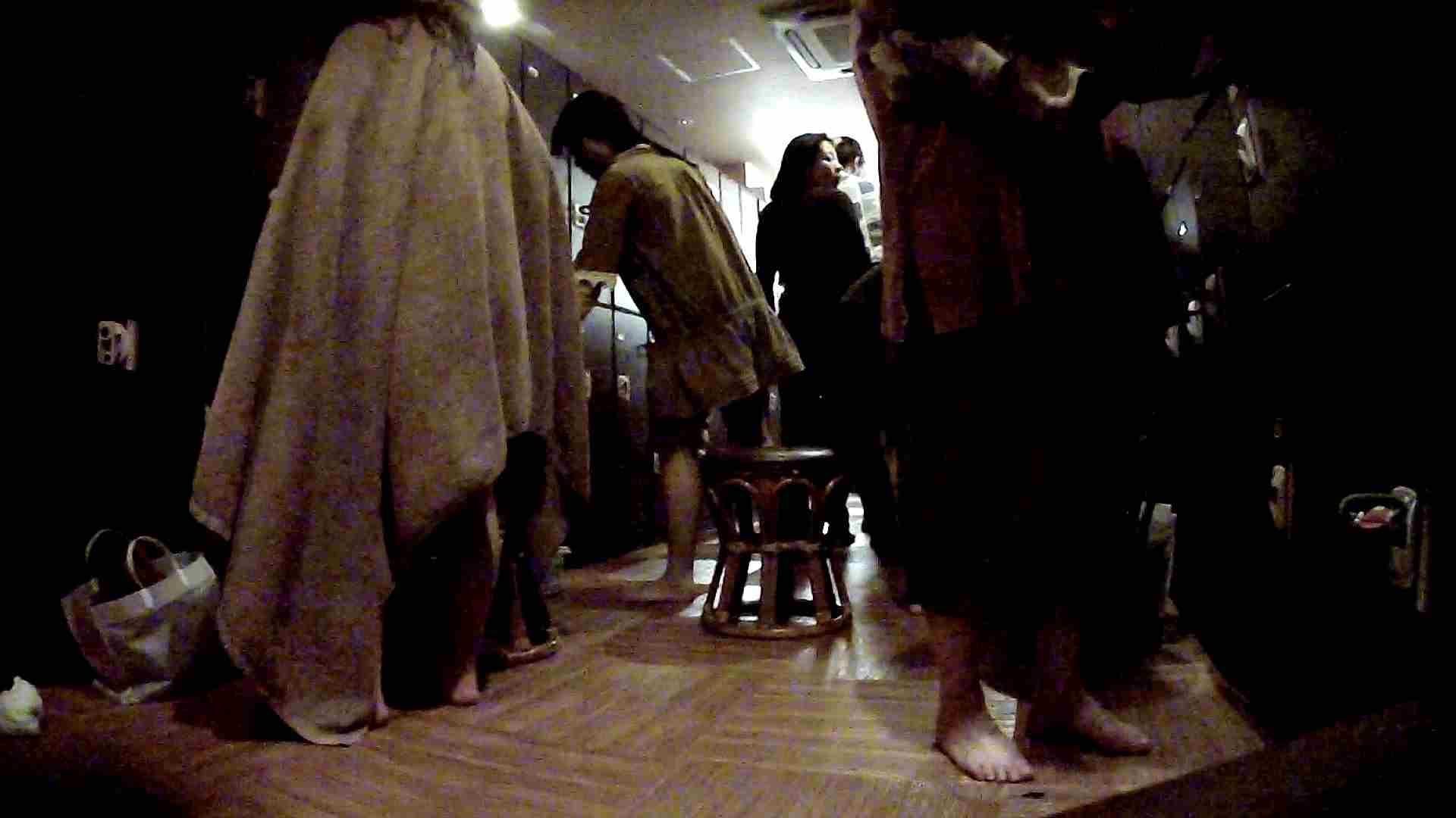 脱衣所!オムニバス 大混雑!注目はあの人の御御足でしょう。 盛合せ AV無料 109枚 58