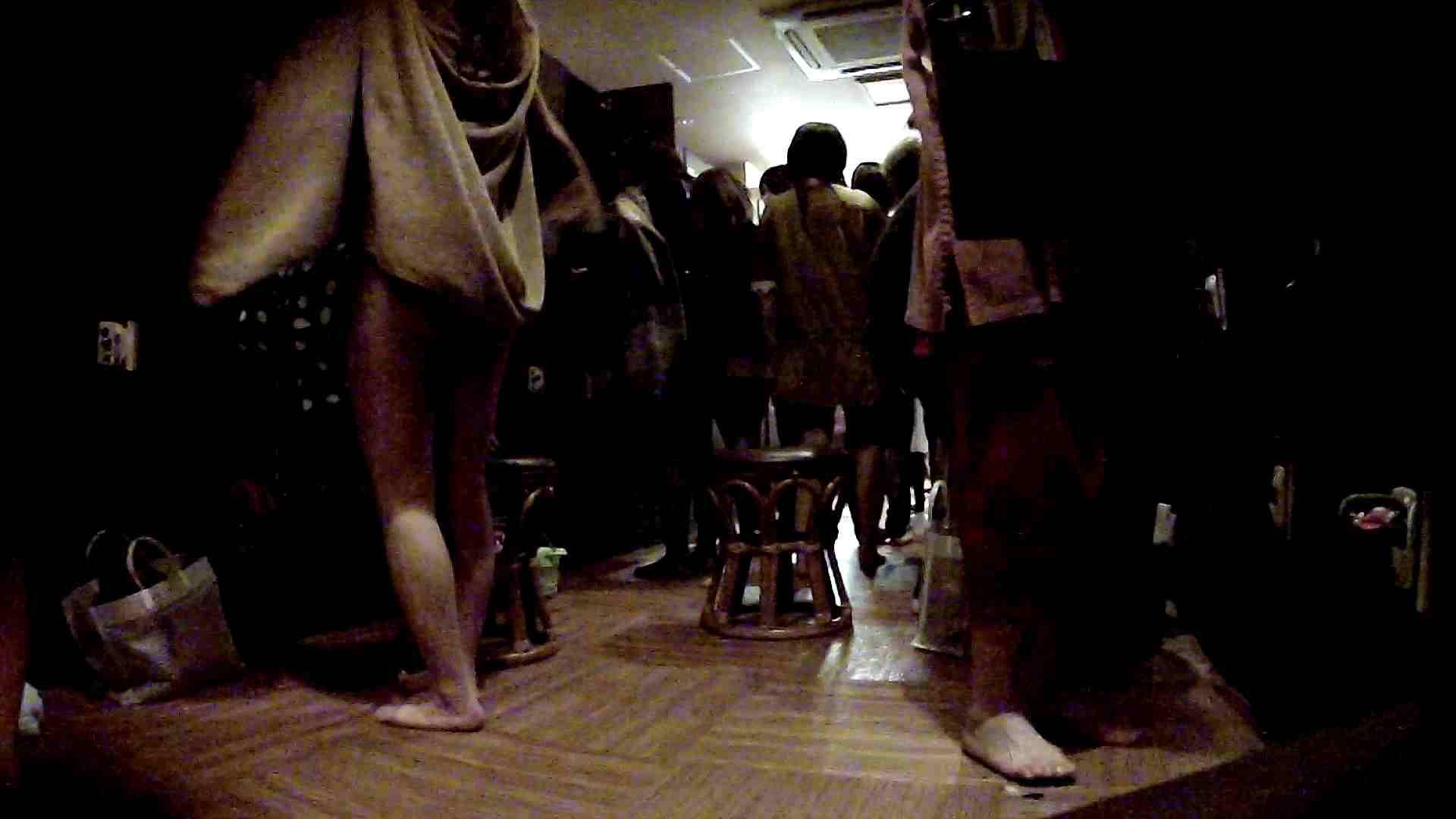 脱衣所!オムニバス 大混雑!注目はあの人の御御足でしょう。 潜入 ワレメ動画紹介 109枚 60