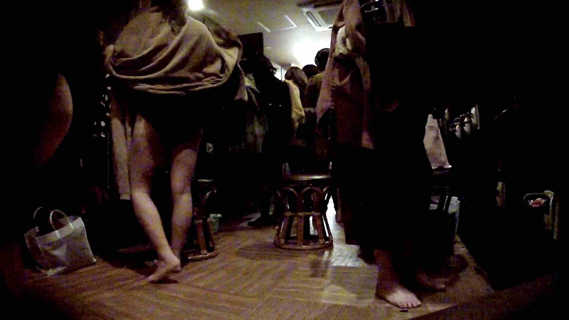脱衣所!オムニバス 大混雑!注目はあの人の御御足でしょう。 女湯のぞき オマンコ無修正動画無料 109枚 61