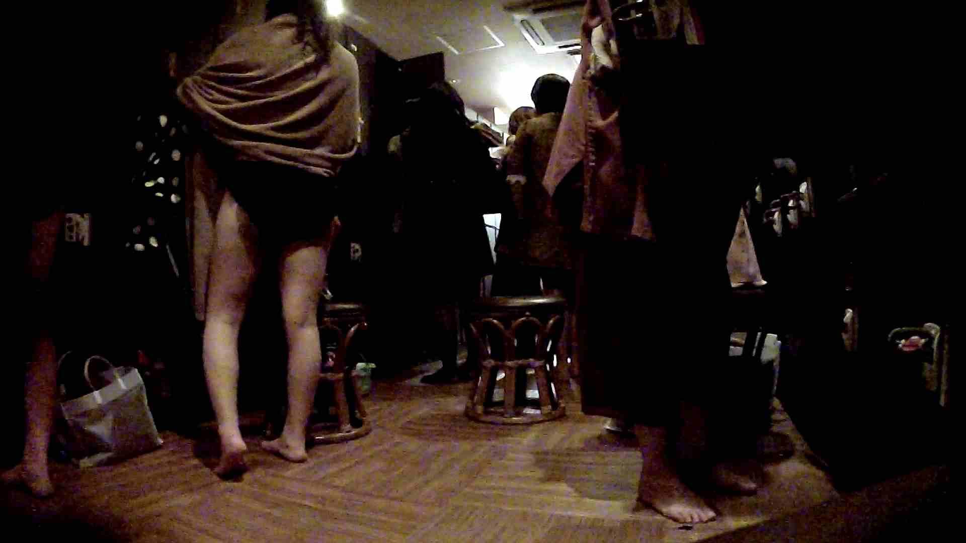 脱衣所!オムニバス 大混雑!注目はあの人の御御足でしょう。 脱衣所・着替え おまんこ無修正動画無料 109枚 62